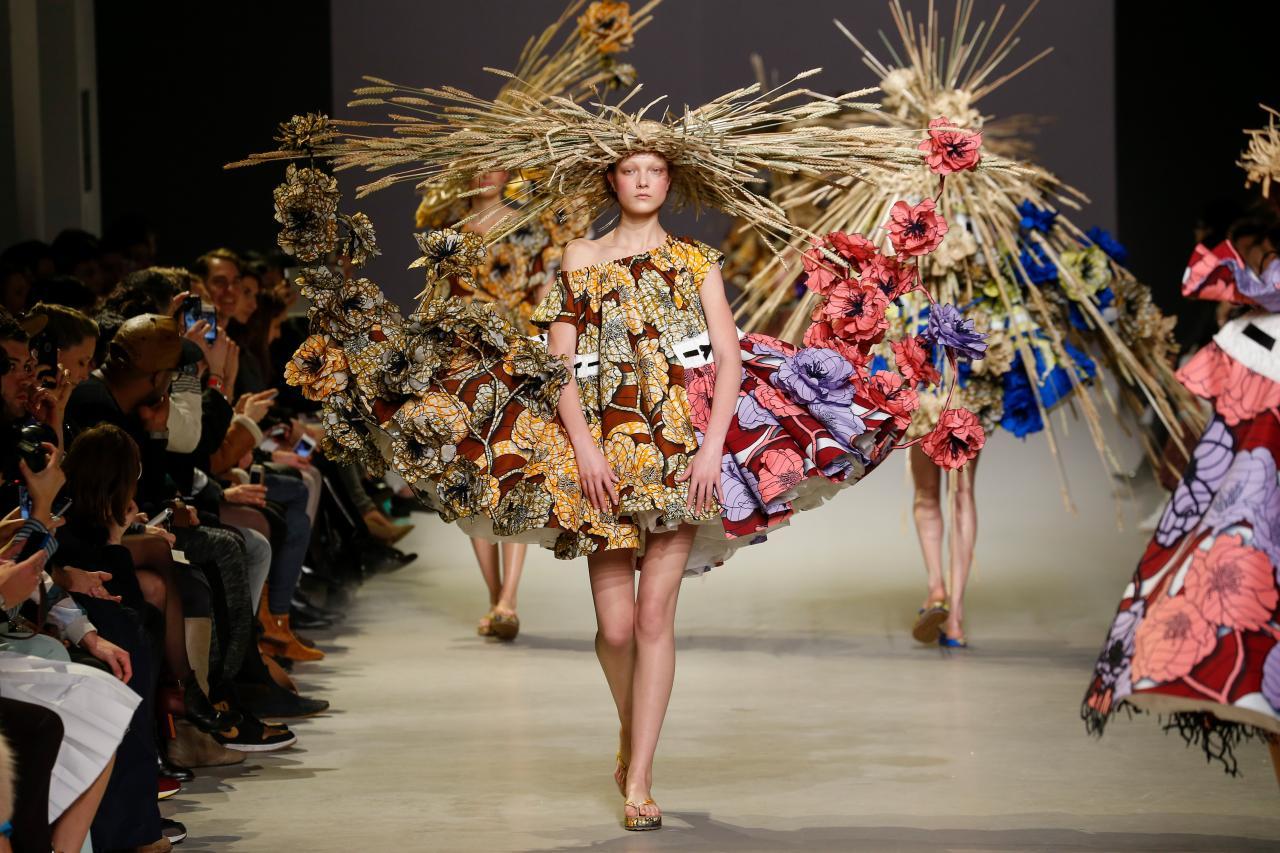 4-H Fashion Show Clip Art