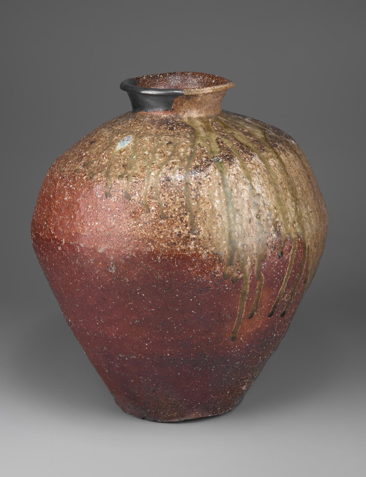 JAPANESE Jar (15th century-16th century)