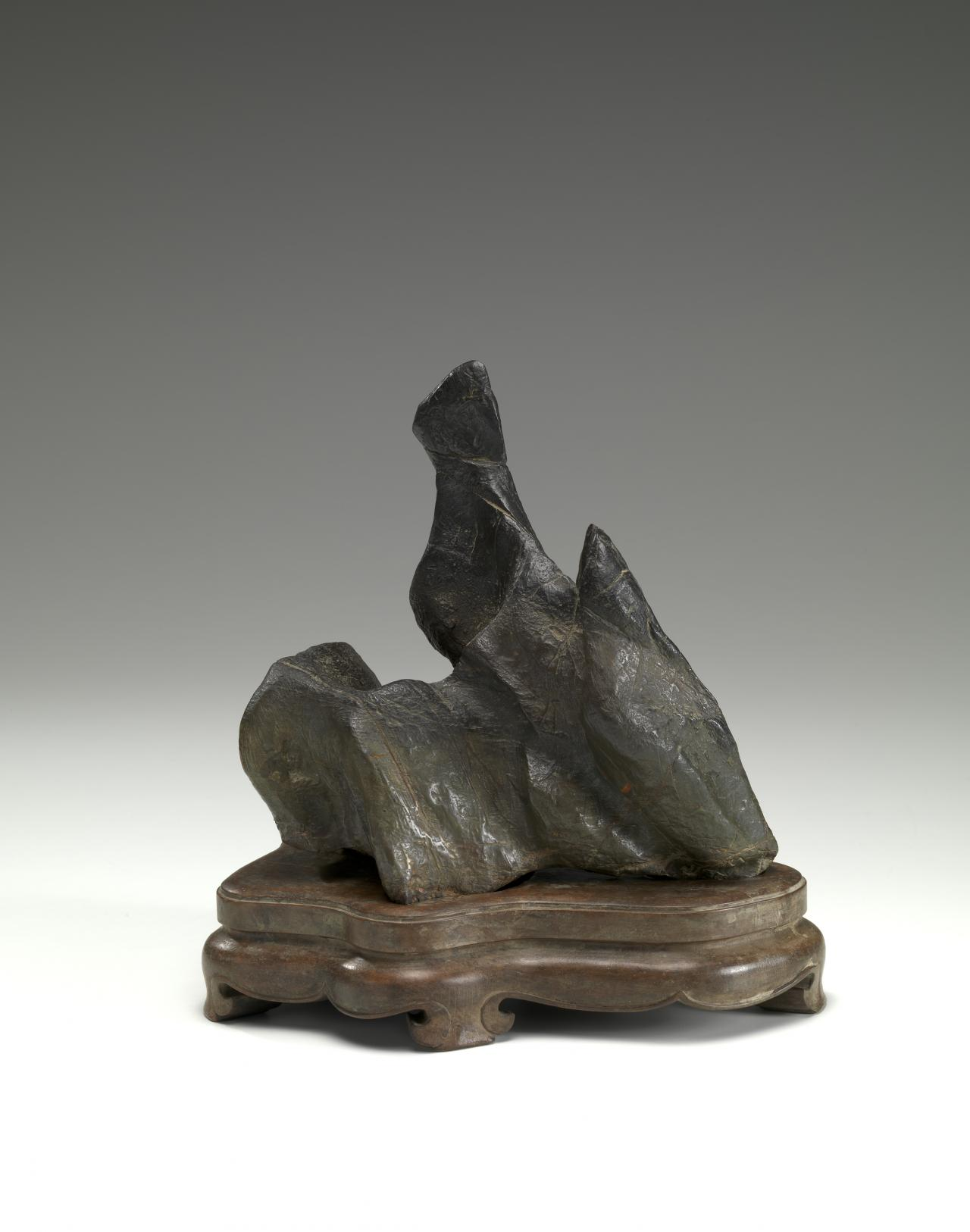 CHINESE Scholar's rock used as a brush stand (early 19th century)