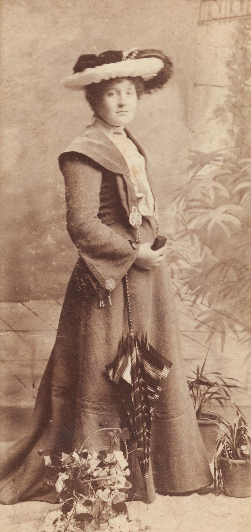 No Title Woman Carte De Visite C 1900