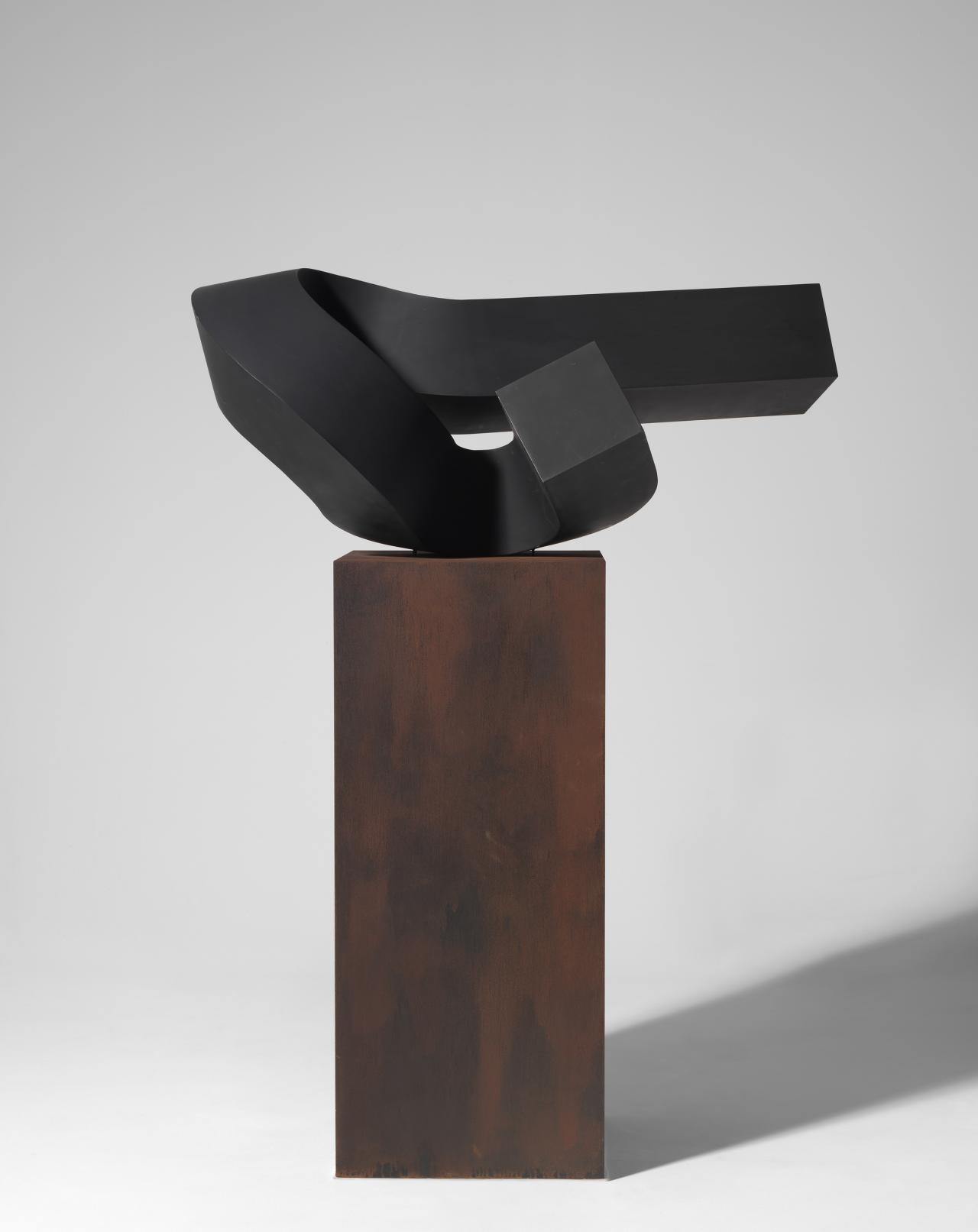 Hard edge abstract sculpture 1960s 70s ngv for Minimalist art 1960