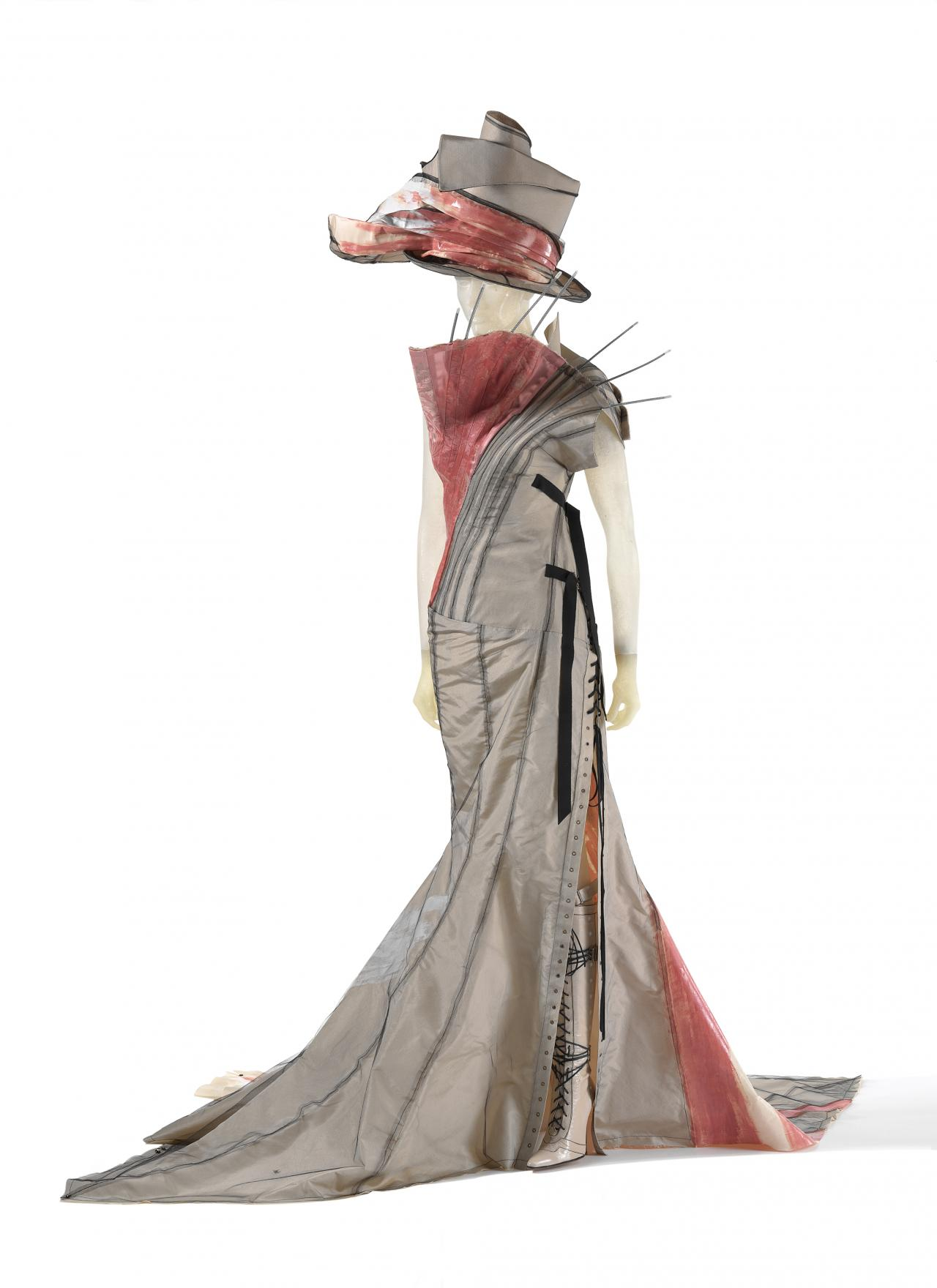 Christian Dior dressing the National Gallery of Victoria | NGV