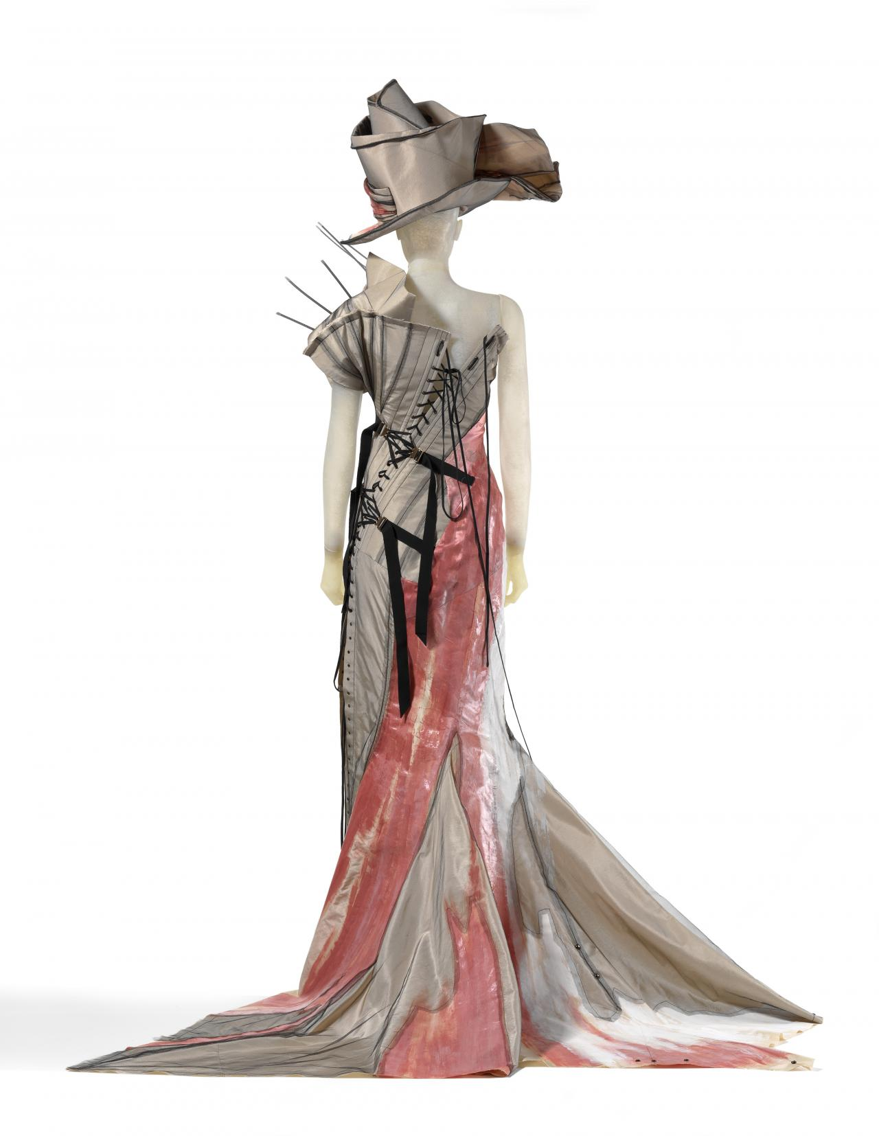 Christian Dior dressing the National Gallery of Victoria   NGV