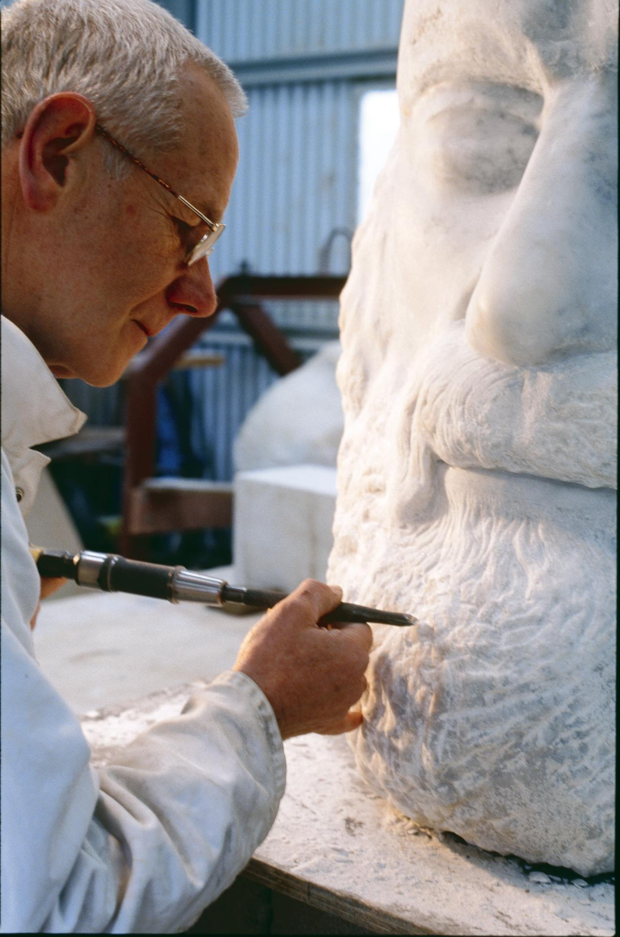 Clive Murray-White working on the Alfred Felton Centenary Commission sculpture, 2004.