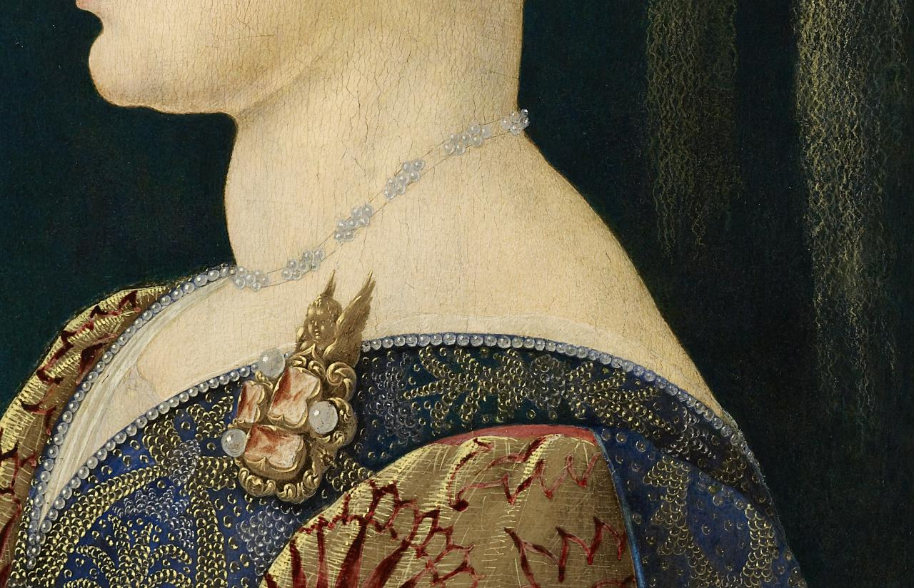 a profile portrait of a renaissance w in the national gallery whilst jewellery is common in many profile portraits there are several unusual features in the melbourne panel firstly great subtlety and skill is