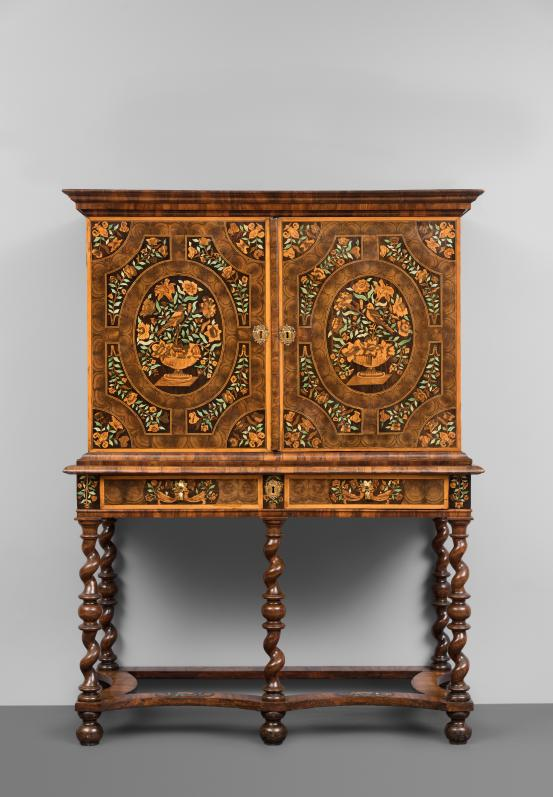 England Cabinet on stand (c. 1685)