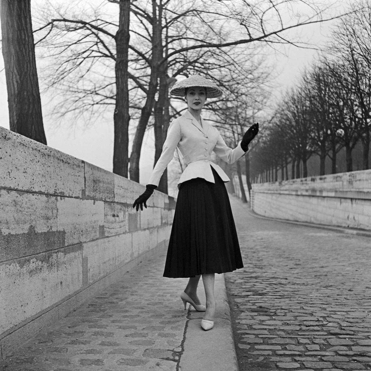 Christian Dior, Paris (couture house) est. 1946