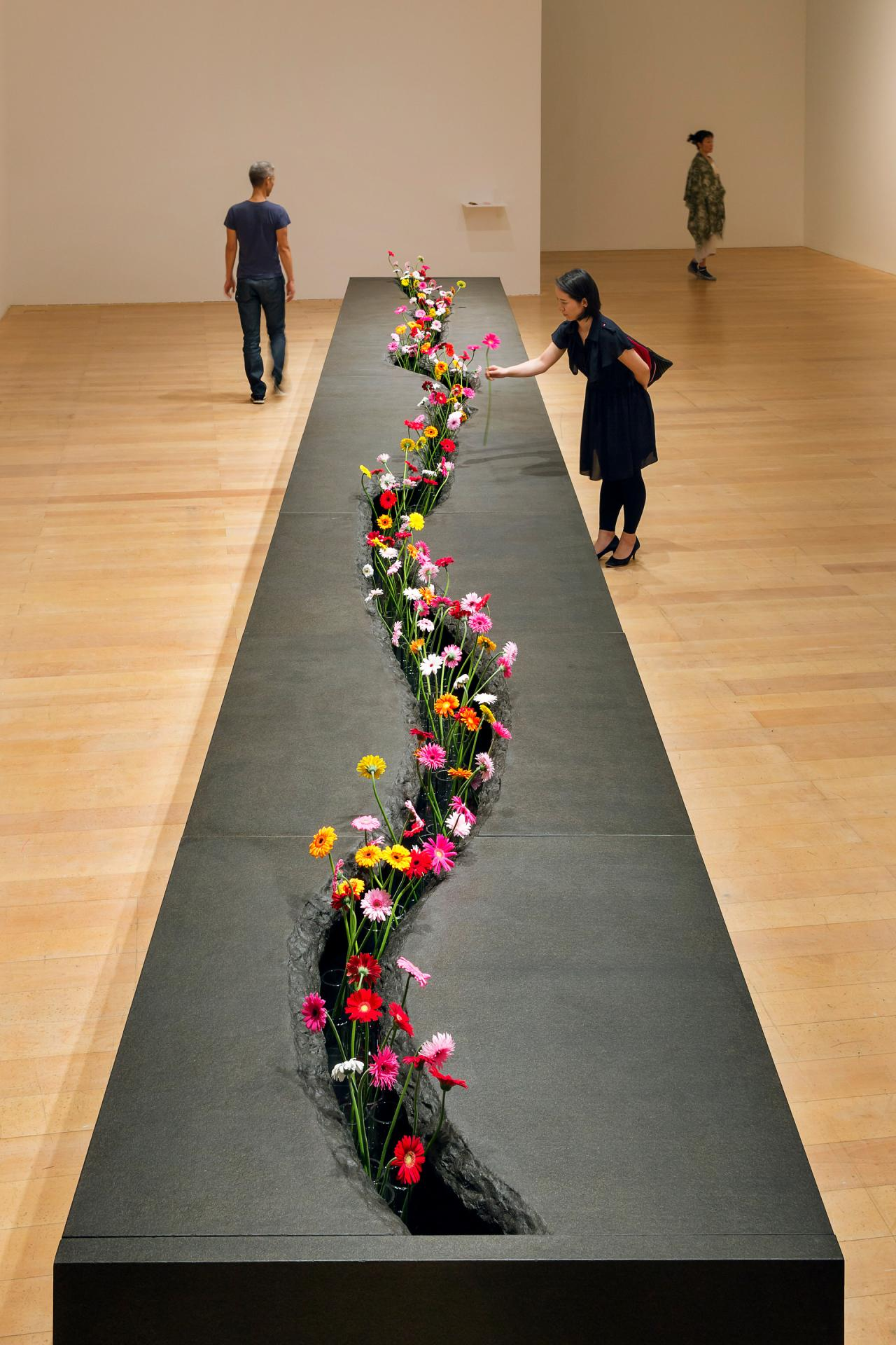 LEE MINGWEI THE MOVING GARDEN NGV
