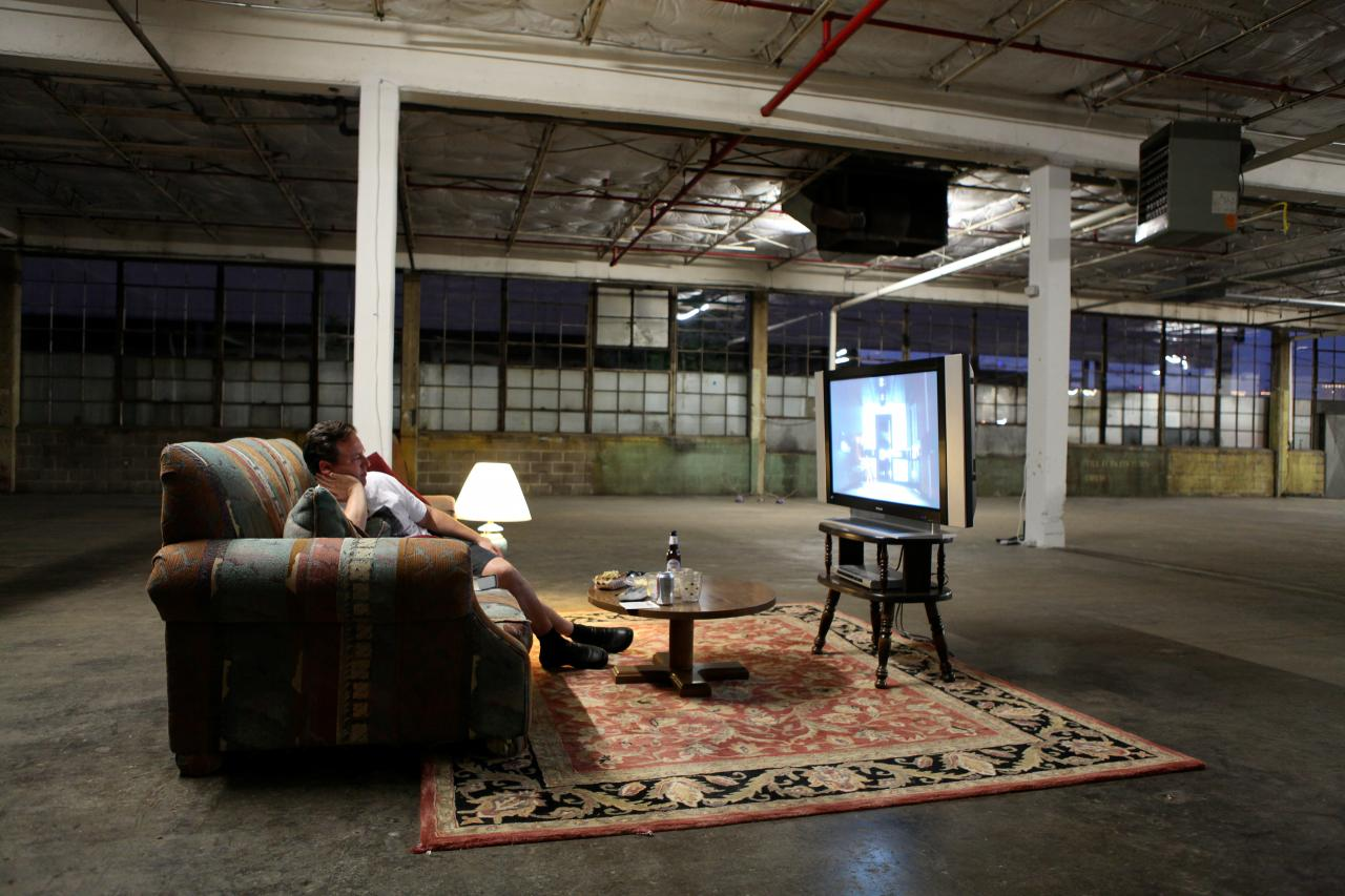 Einat Amir,  Coming Soon Near You, 2011, performance, Dallas Contemporary Art Centre Courtesy the artist