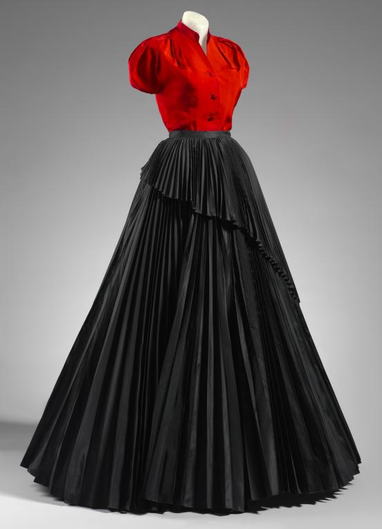 CHRISTIAN DIOR, Paris (couture house); Christian DIOR (designer) Evening ensemble 1952 {autumn-winter, Profile line collection}