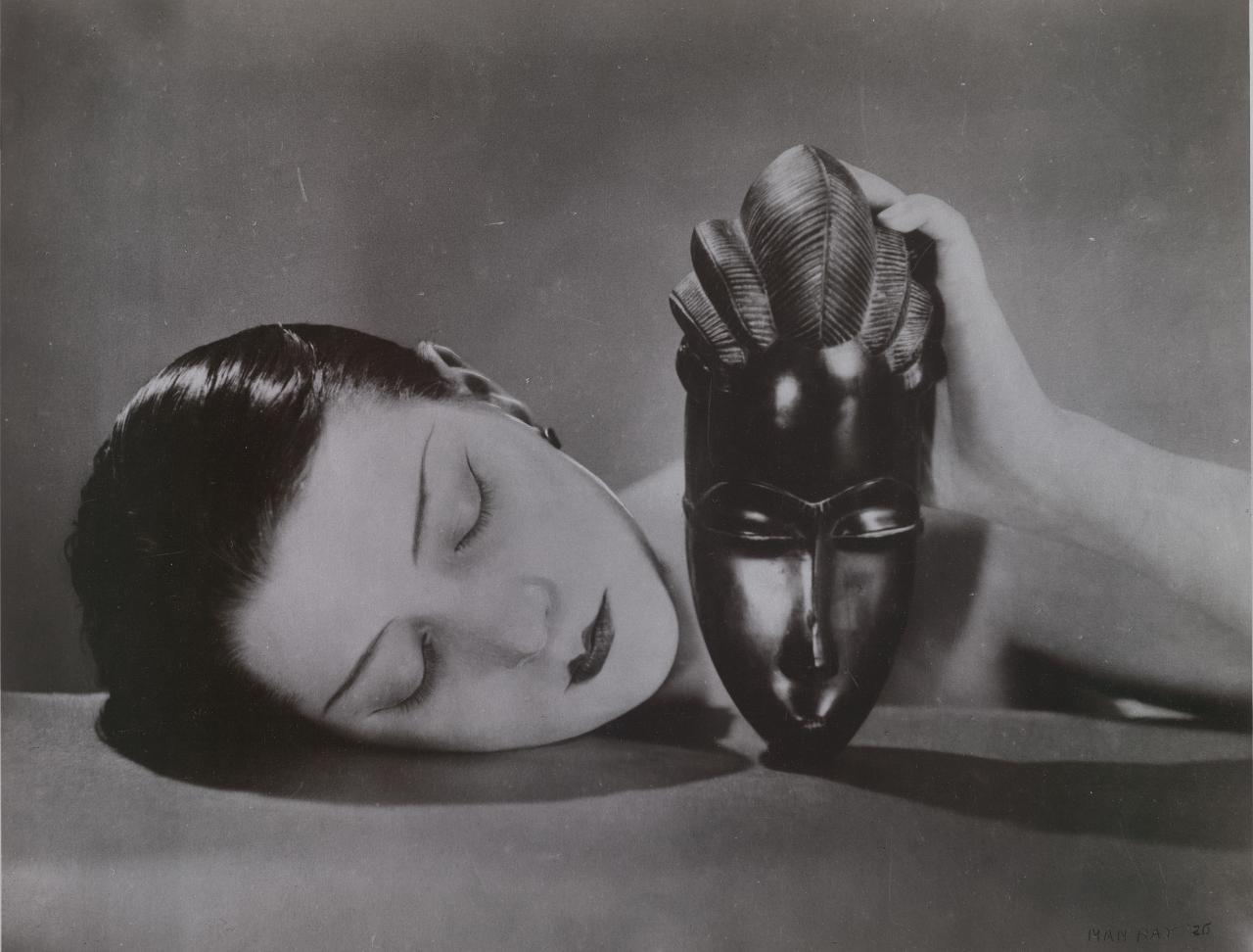 MAN RAY Kiki with African mask 1926