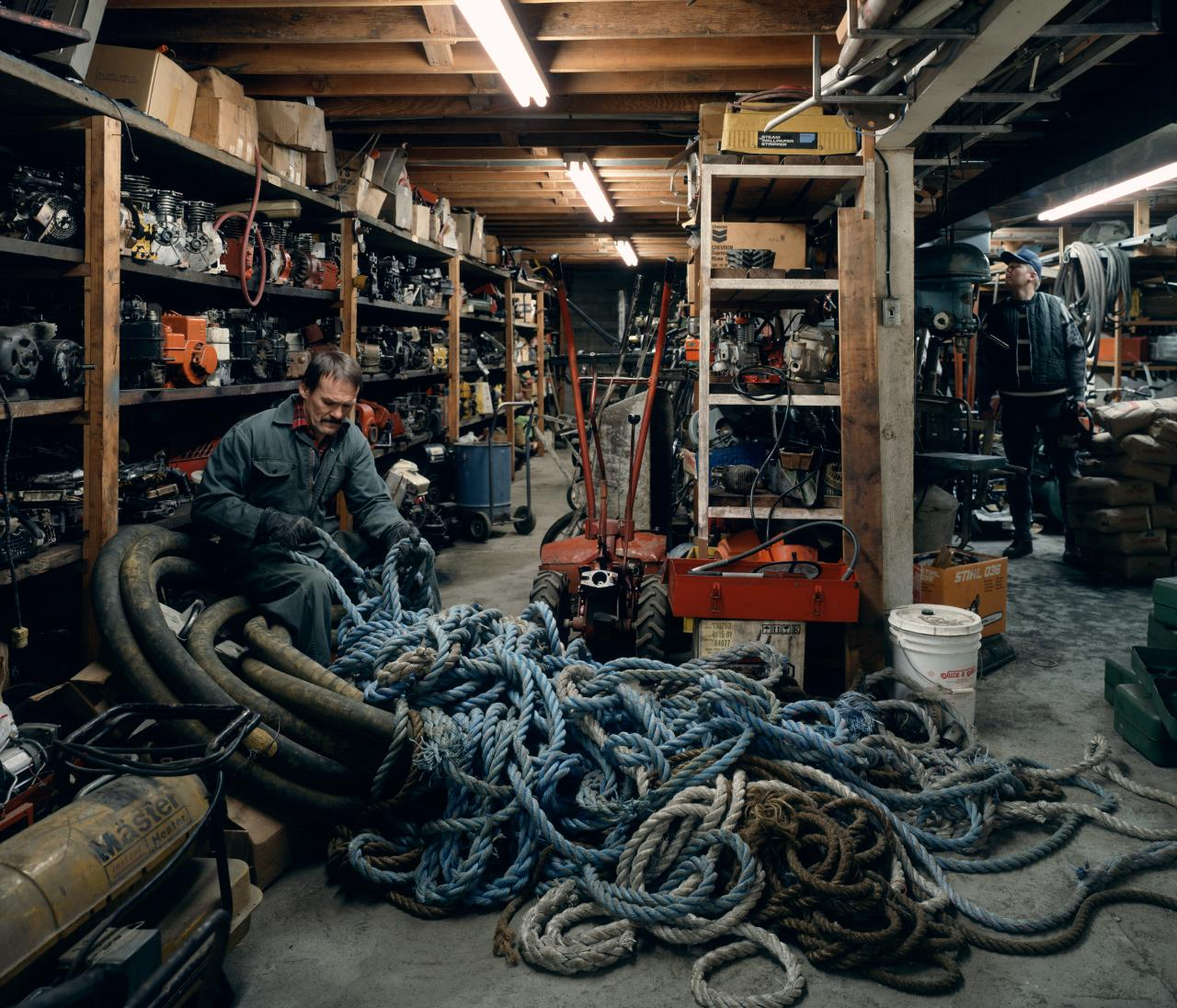 Jeff WALL Untangling (1994); (2006) {printed}