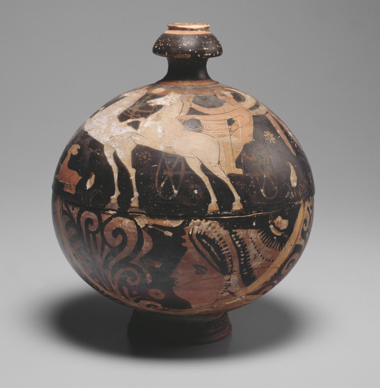 Pyxis bowl (South Italian red-figure ware)