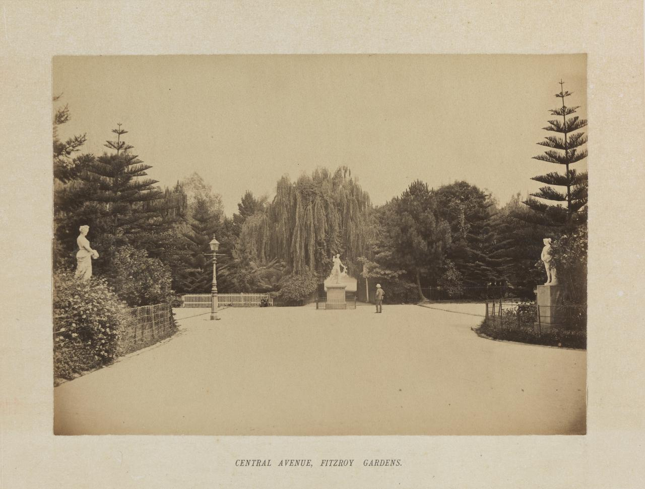 Central avenue, Fitzroy Gardens