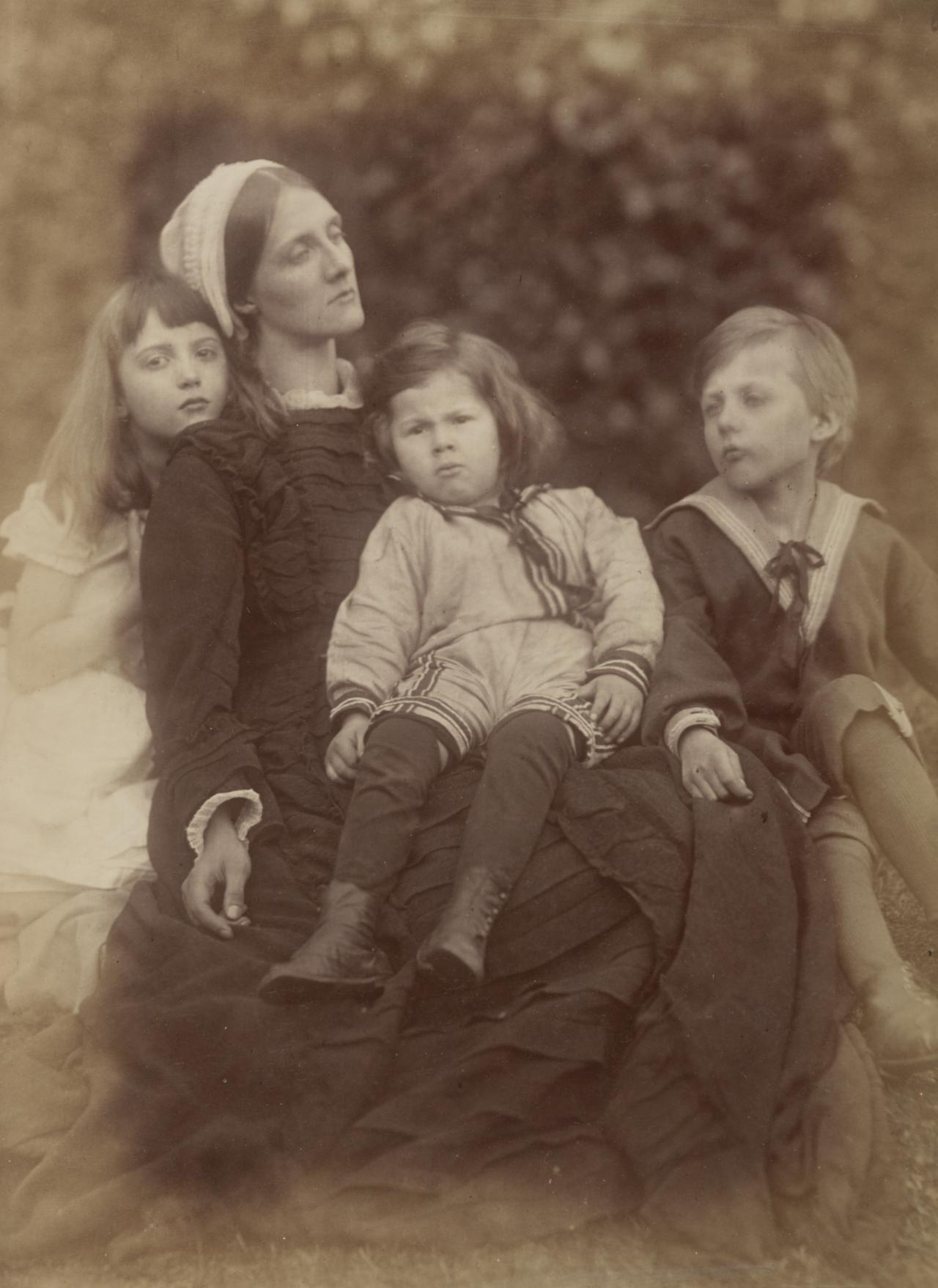 Mrs Herbert Duckworth, her son George, Florence Fisher and H. A. L. Fisher
