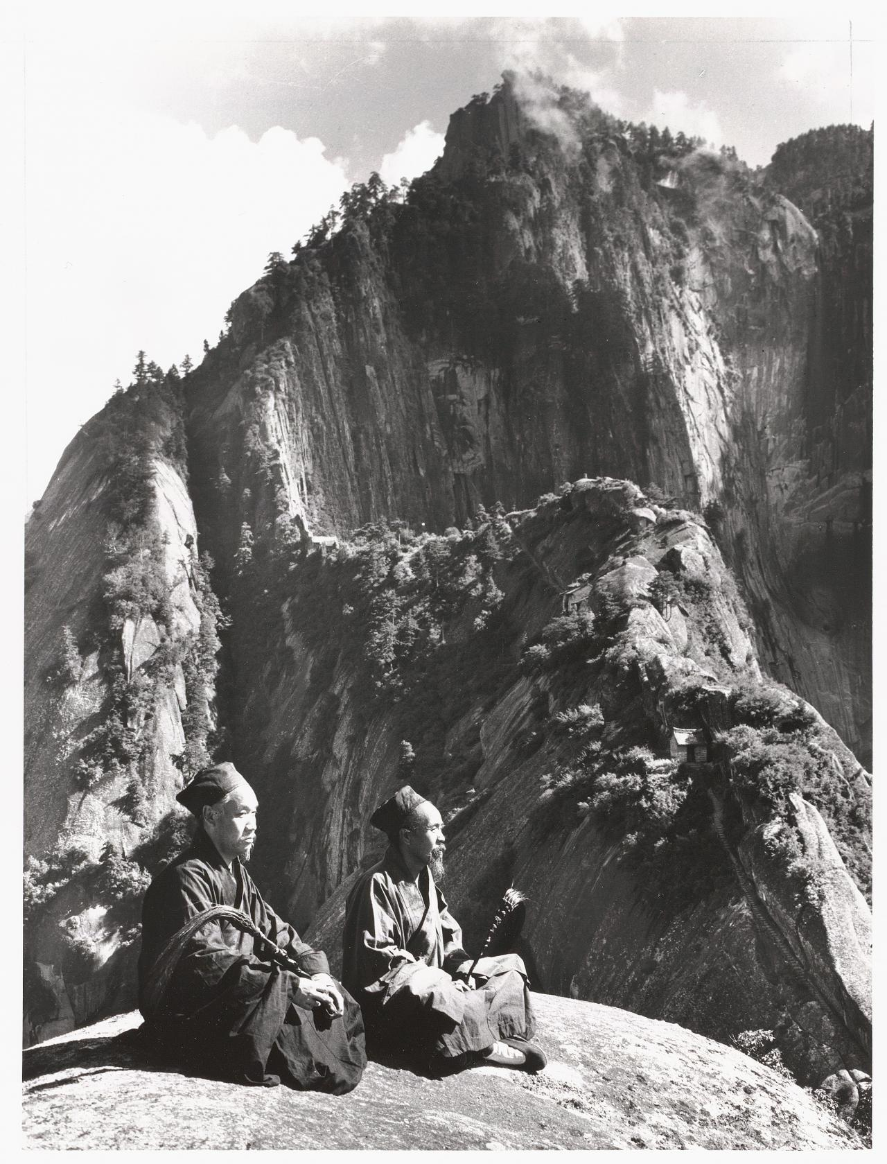 No title (Two Taoist priests below the fairy palm cliff)