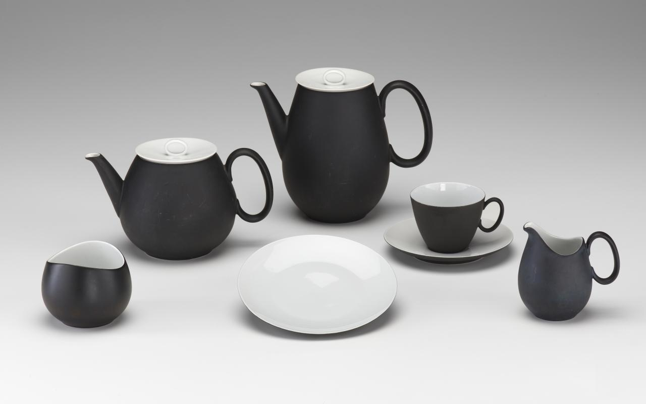 Charcoal, tea and coffee service