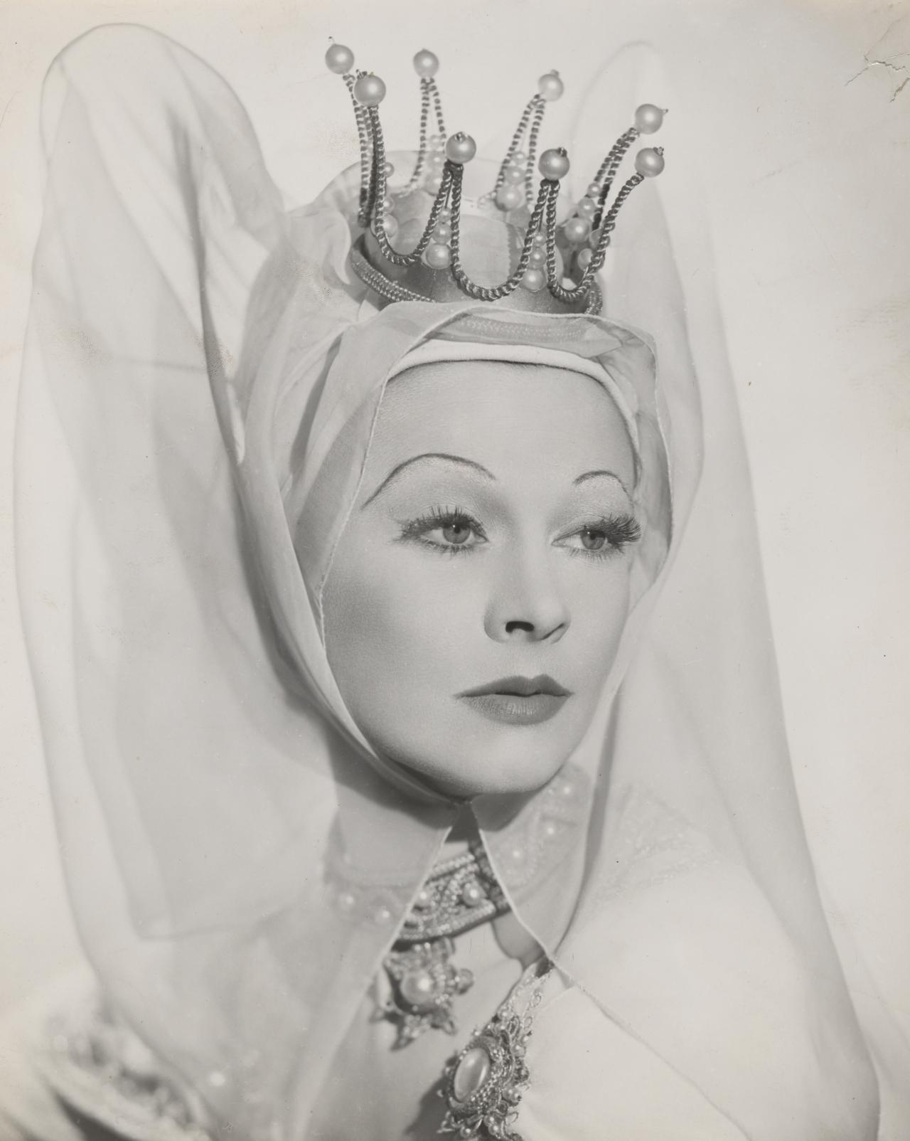 Vivien Leigh as Lady Anne