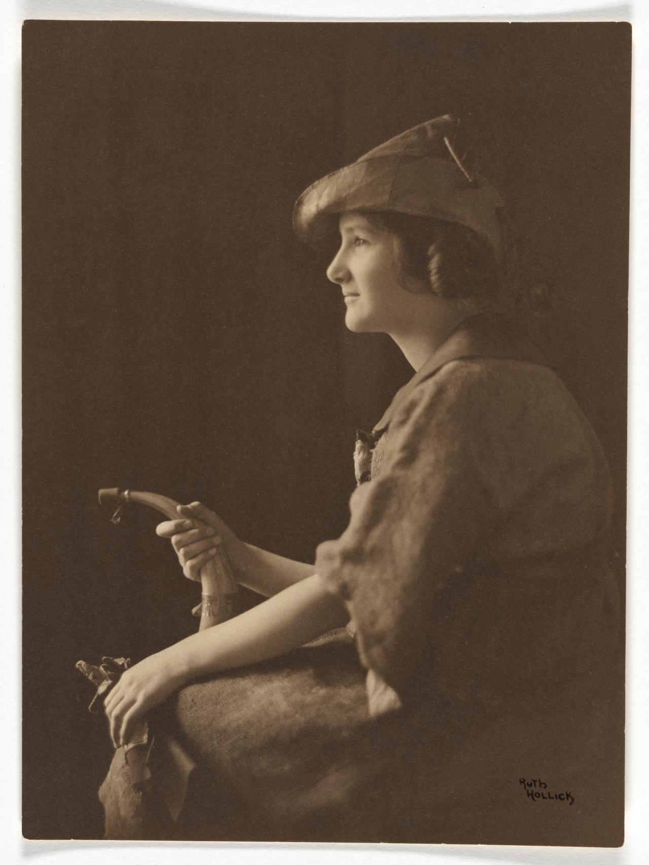 No title (Young woman in hunting costume, model Lucy Crosbie Morrison)