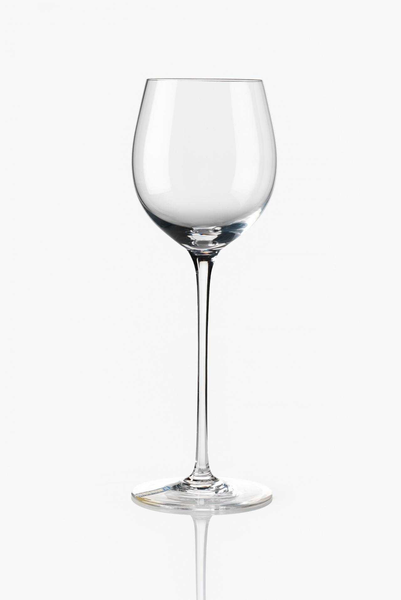 Exquisite wine service, goblet