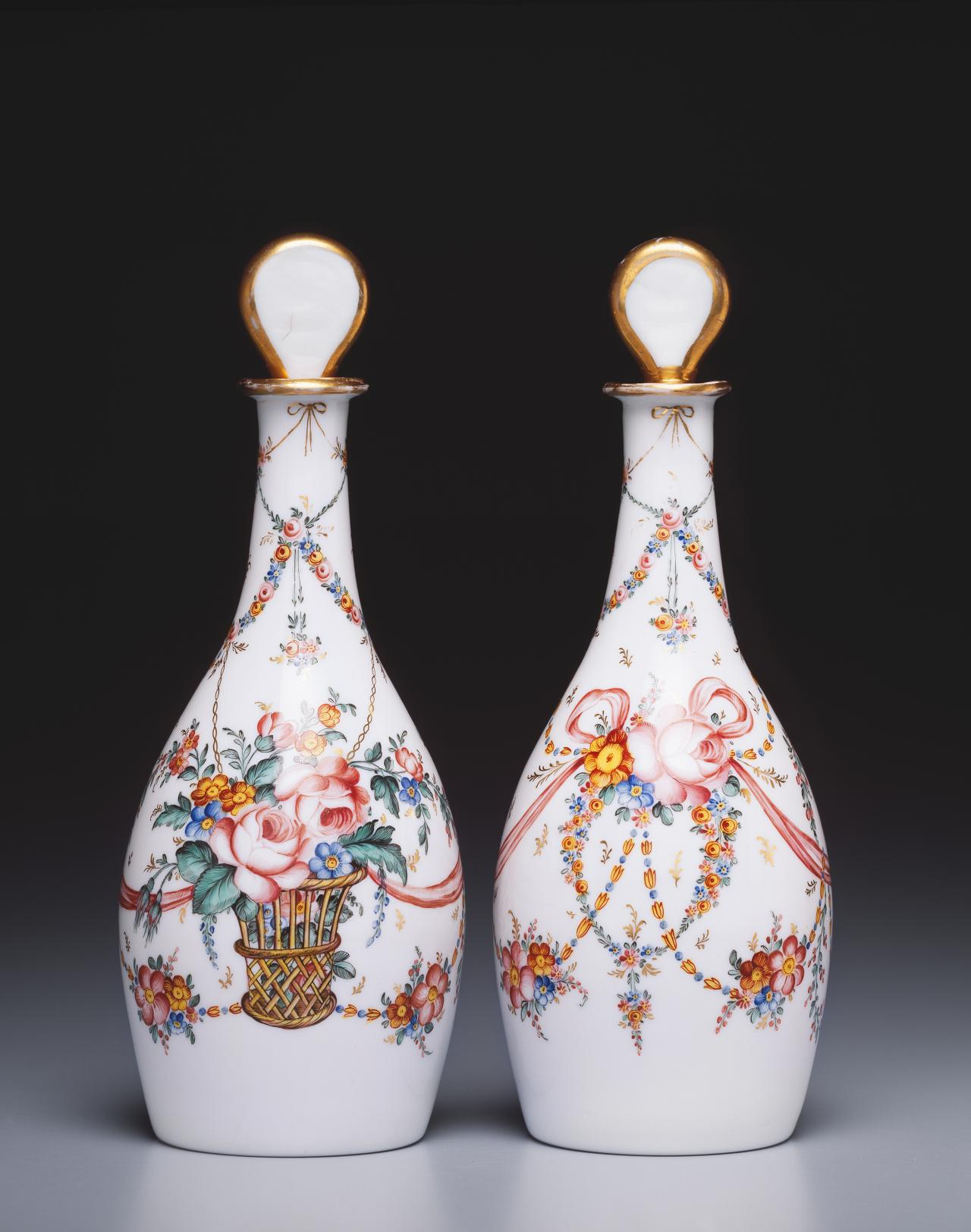 Pair of decanters