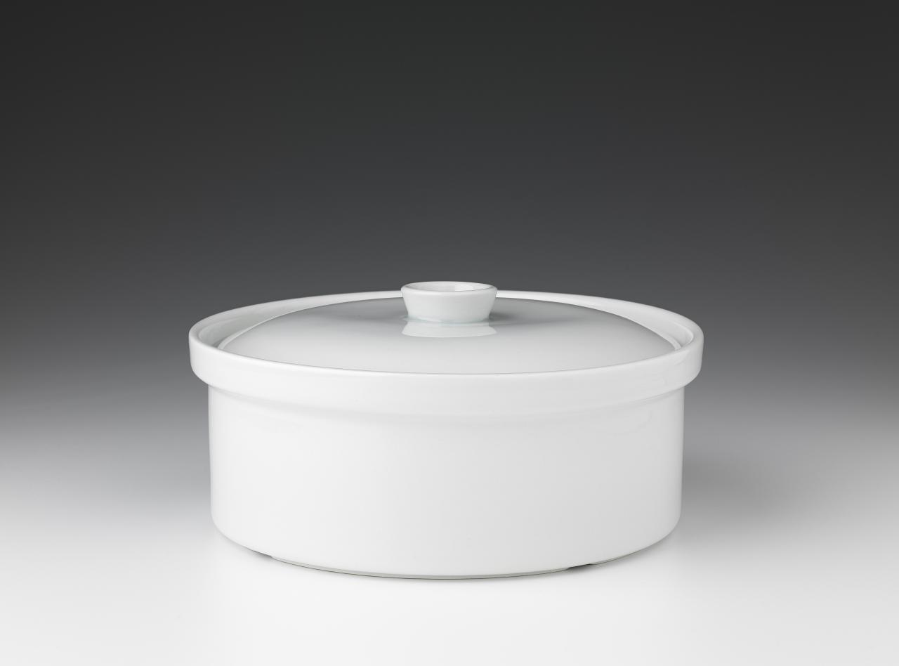Kilta, covered casserole dish