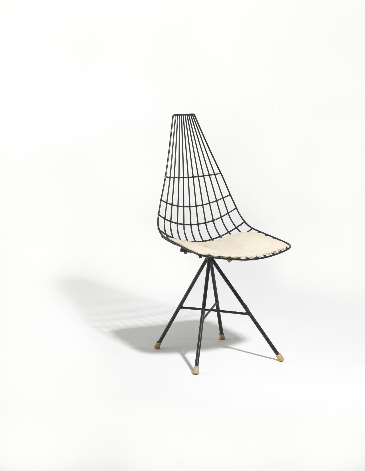 Michael Hirst DC 601A chair