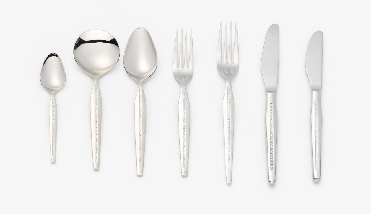Vogue cutlery: Seven piece setting