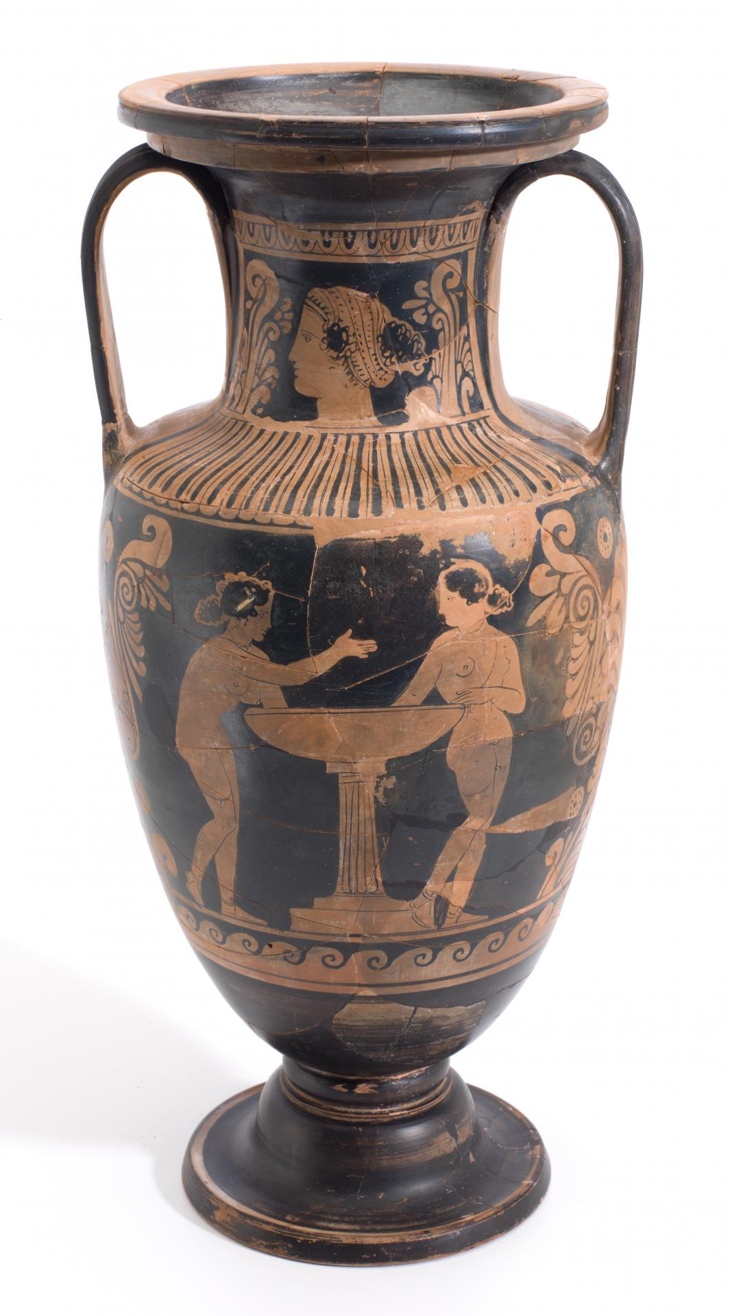 Neck amphora (Sicilian red-figure ware)