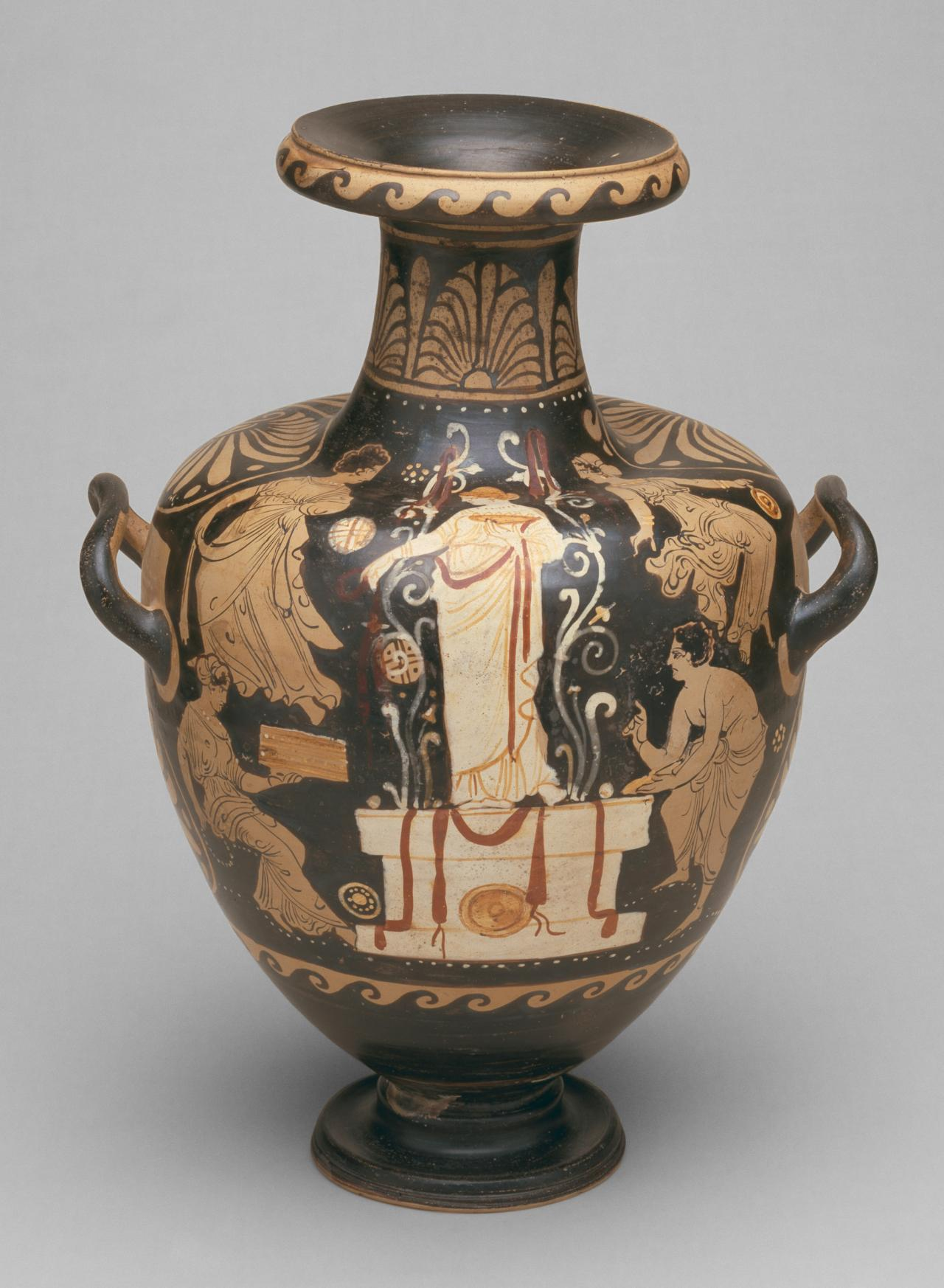 Hydria (Campanian red-figure ware)