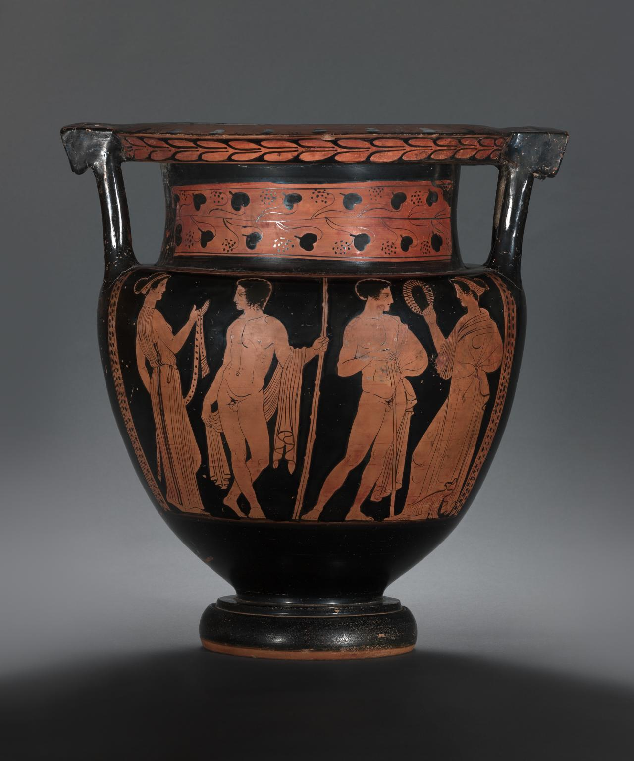 Column krater (Lucanian red-figure ware)