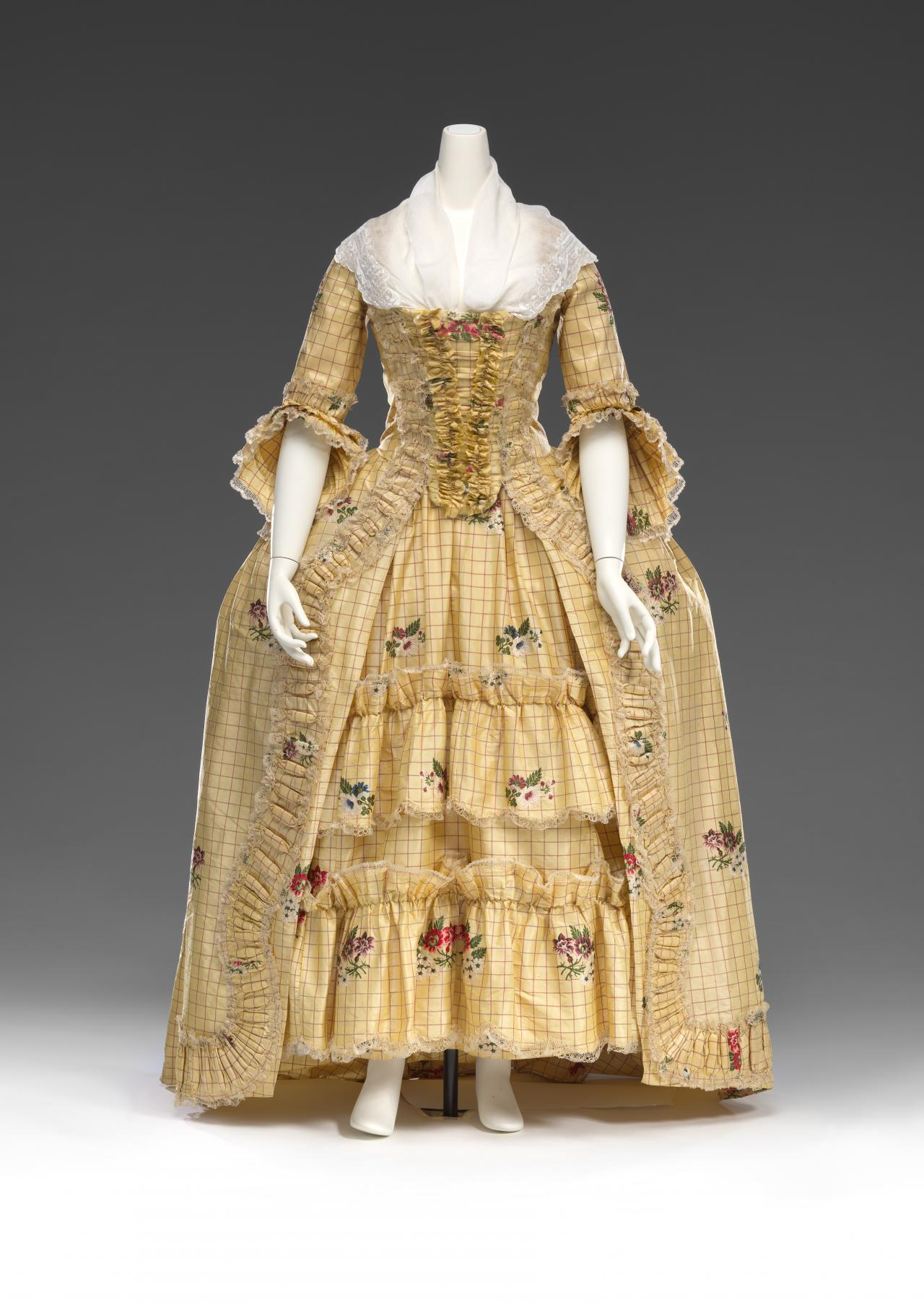Dress (Open robe and petticoat)
