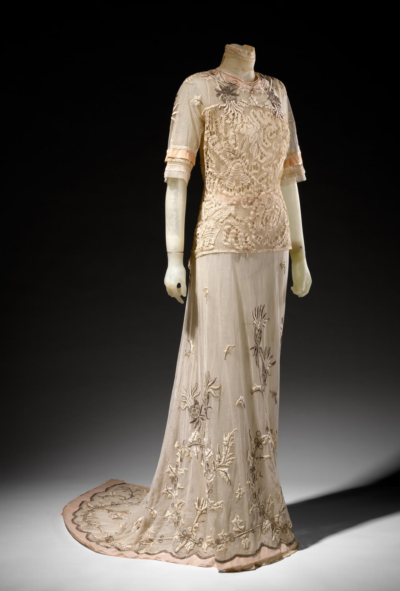 Tea dress bechoff david paris couture house ngv for Couture house dresses
