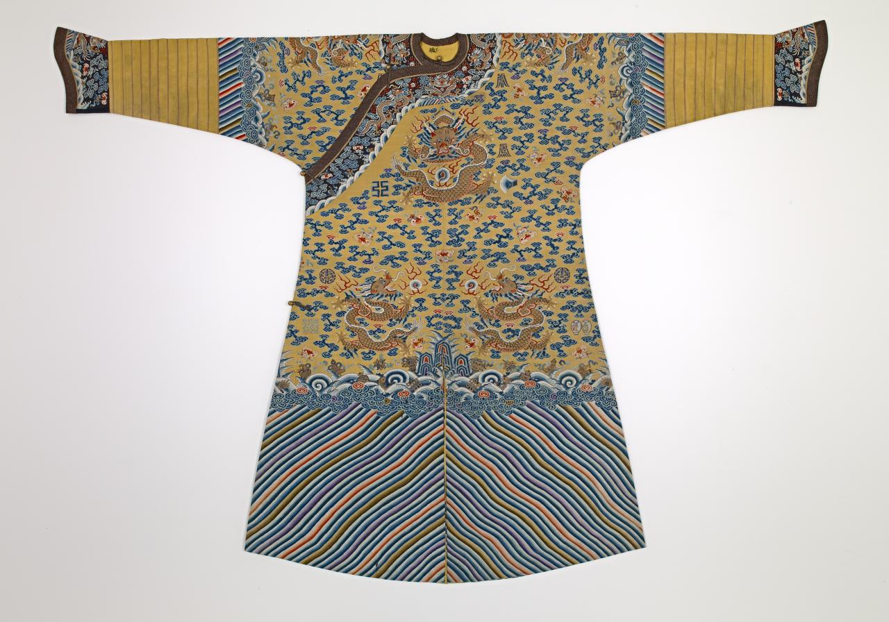 Emperor's semi-formal court robe (Jifu)
