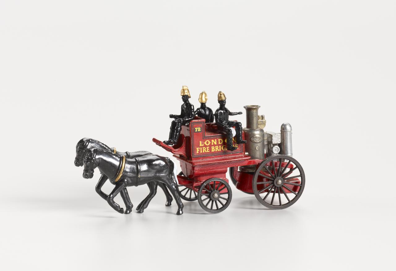1905 Shand Mason horse-drawn fire engine Y4-2