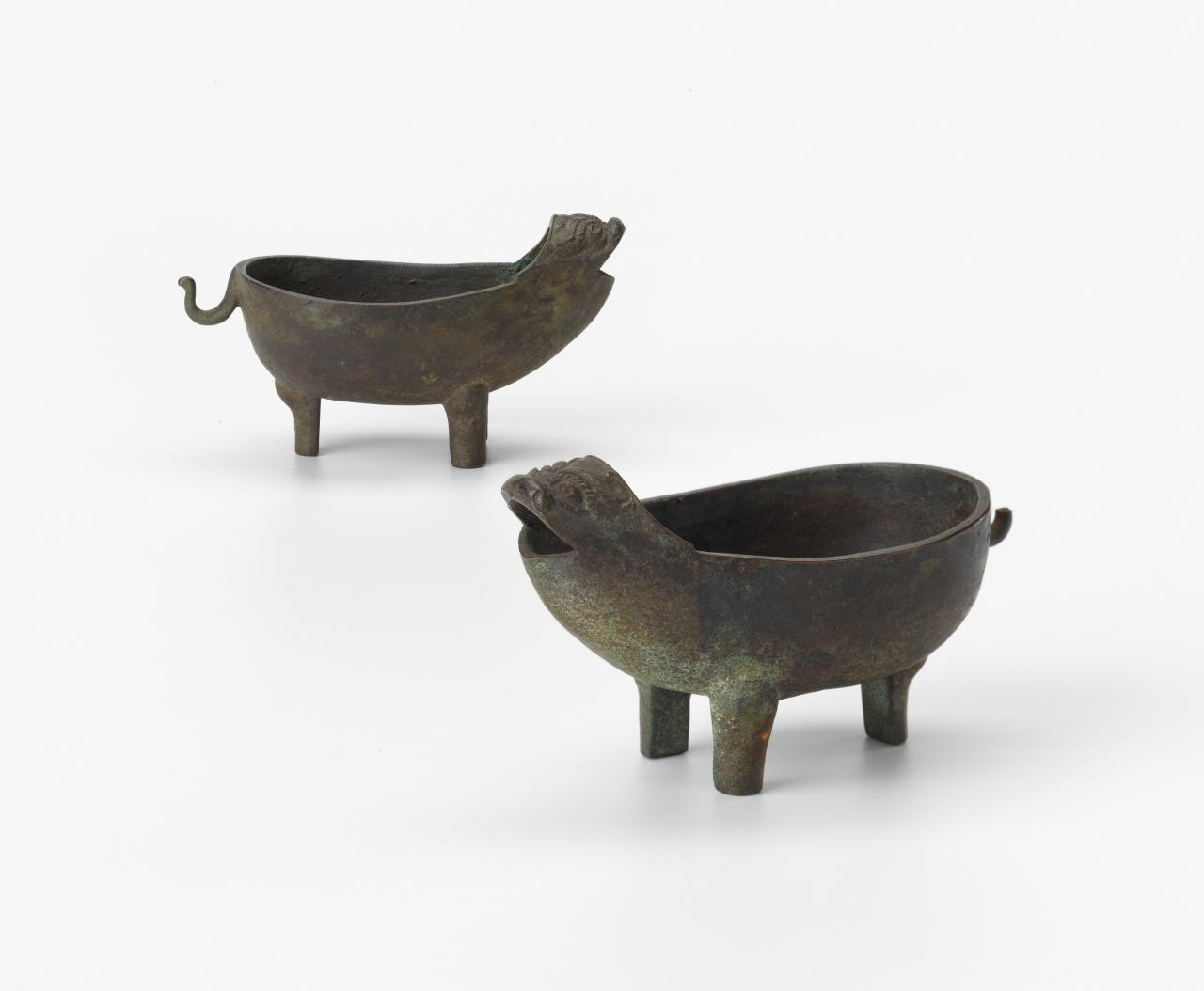 Pair of oxen ritual vessels