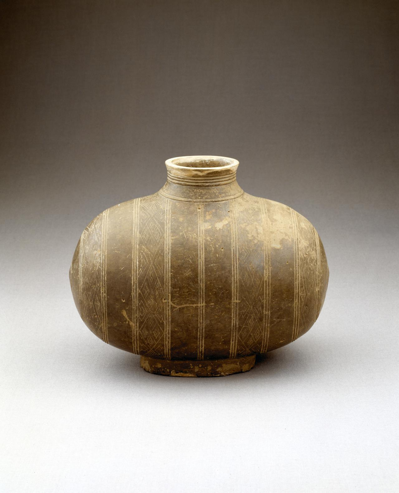 Wine container, Hu