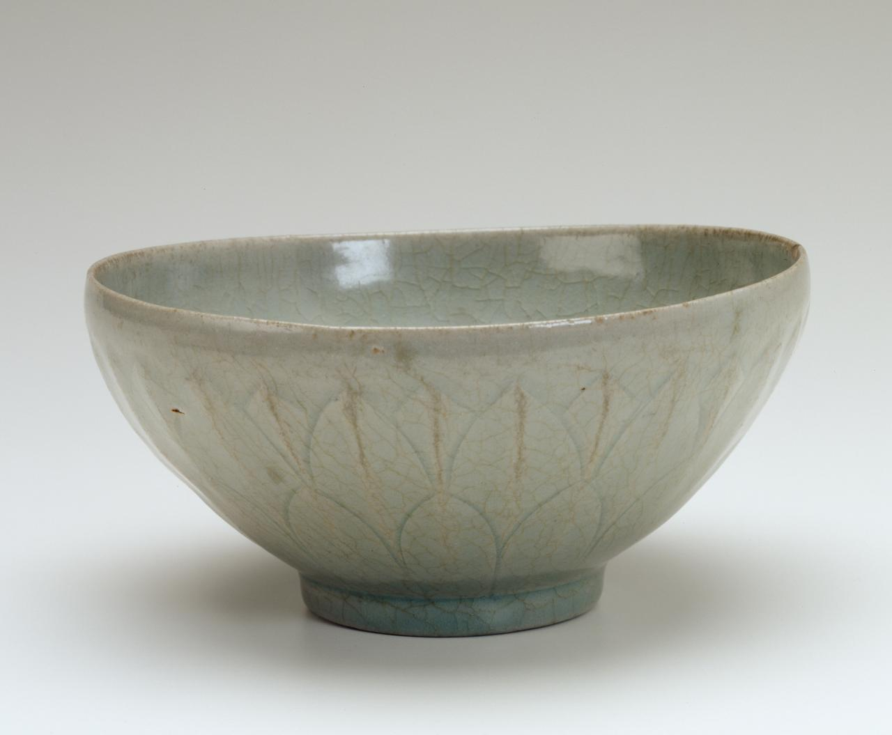 Bowl with incised lotus flower design