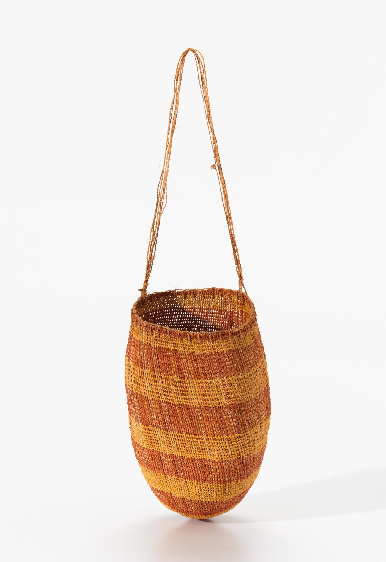 Mendirr (Conical basket)