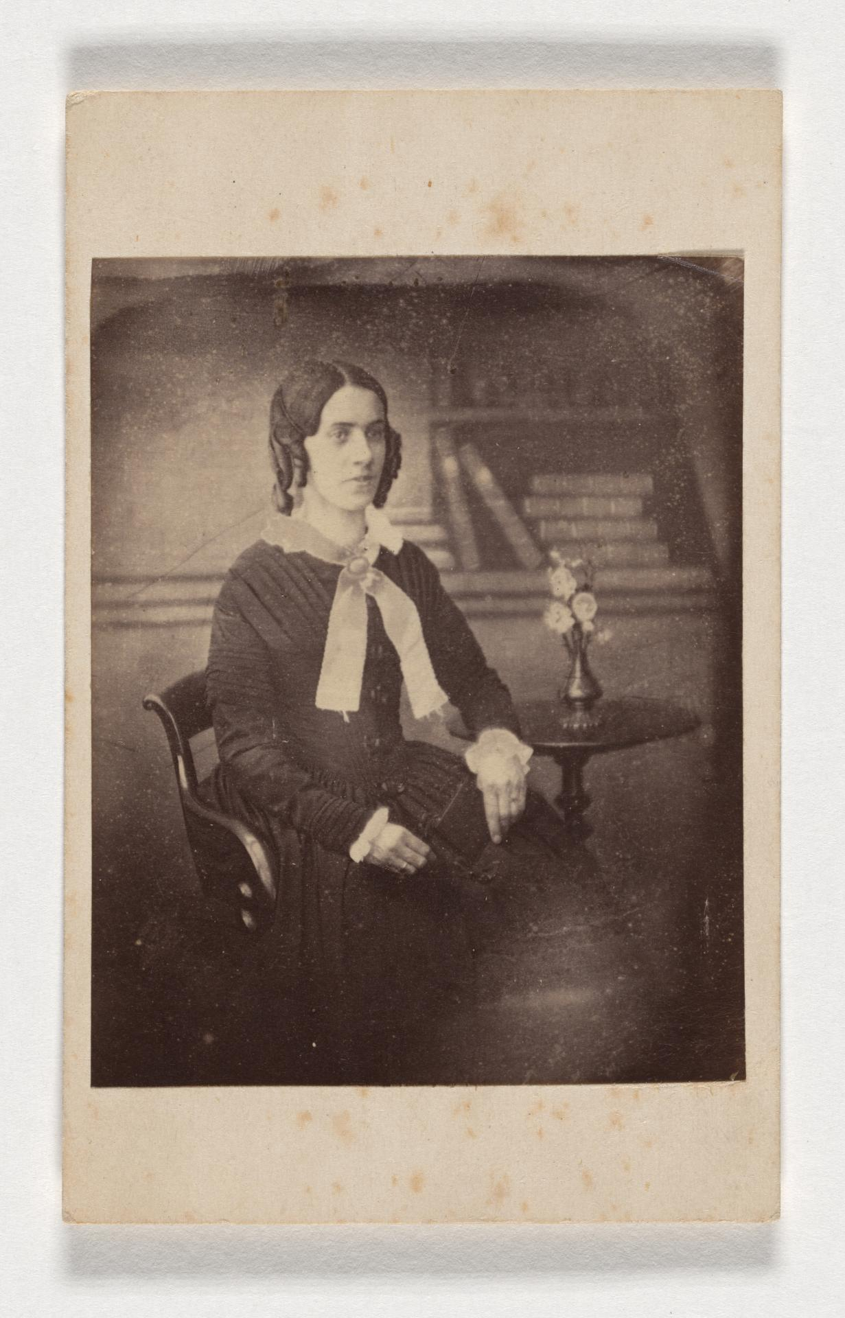 No title (Woman), carte-de-visite