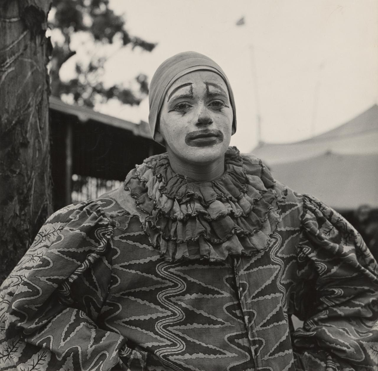 No title (Man dressed as a clown)