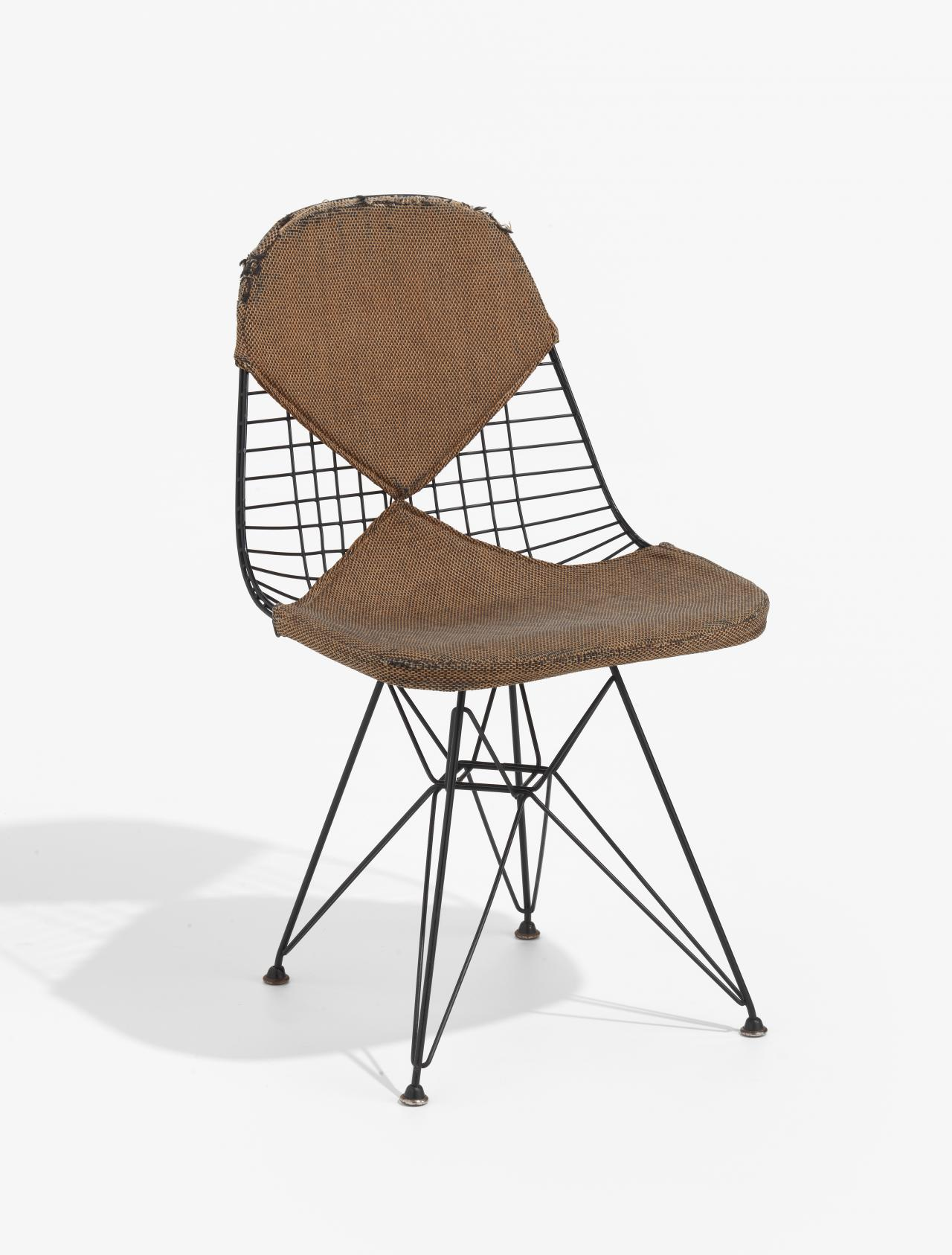 Wire mesh chair