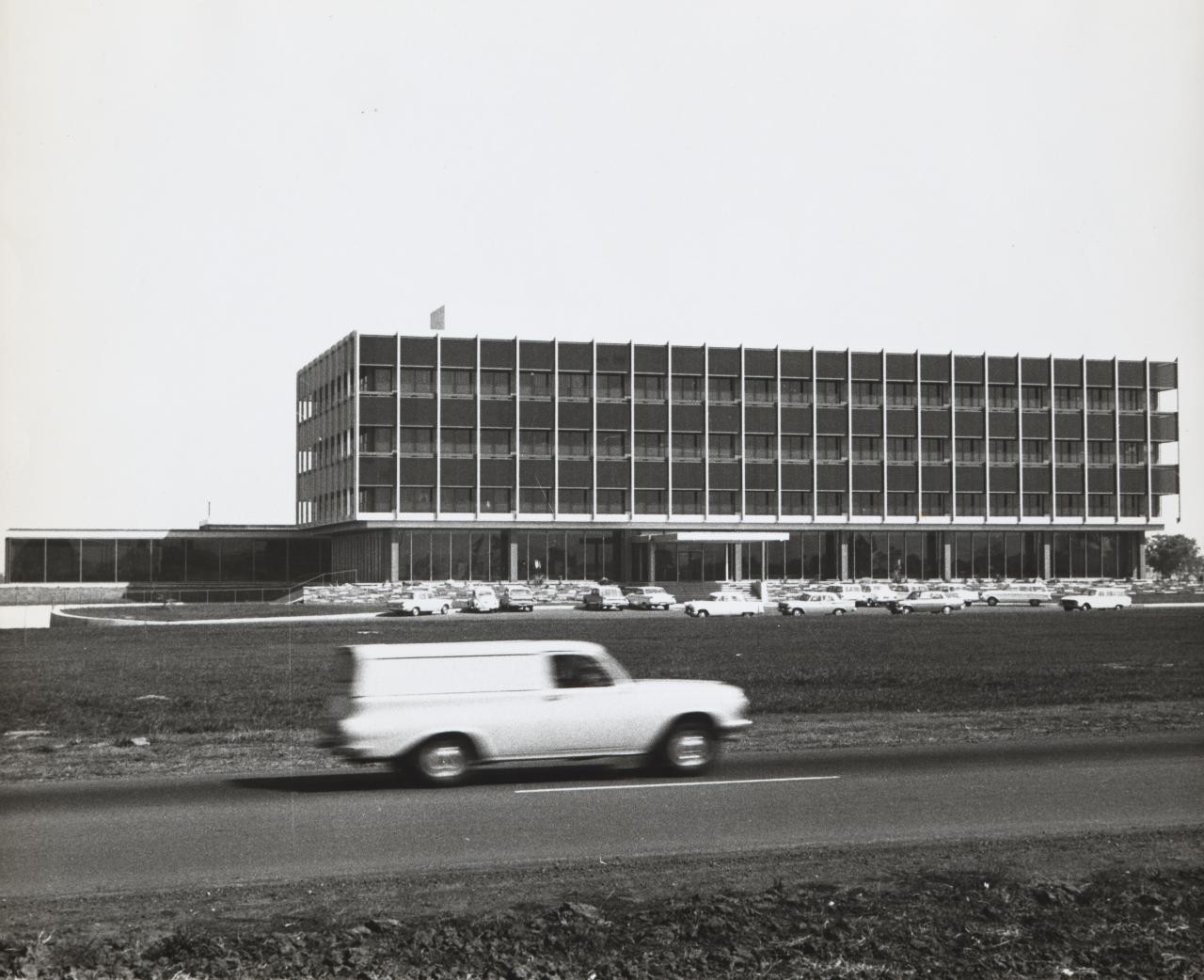 Ford, Broadmeadows (View with moving car)