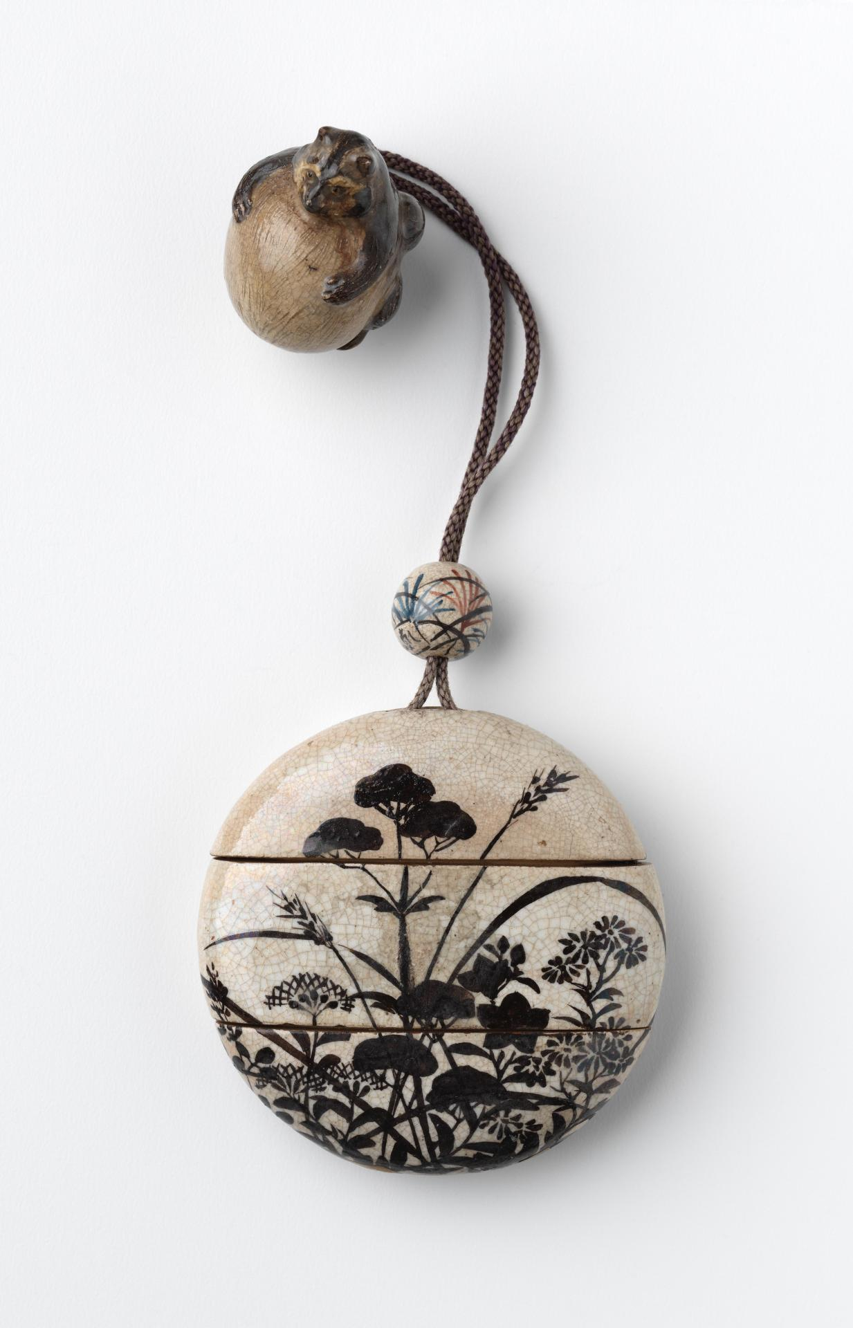 Inrō and netsuke with autumn grasses design