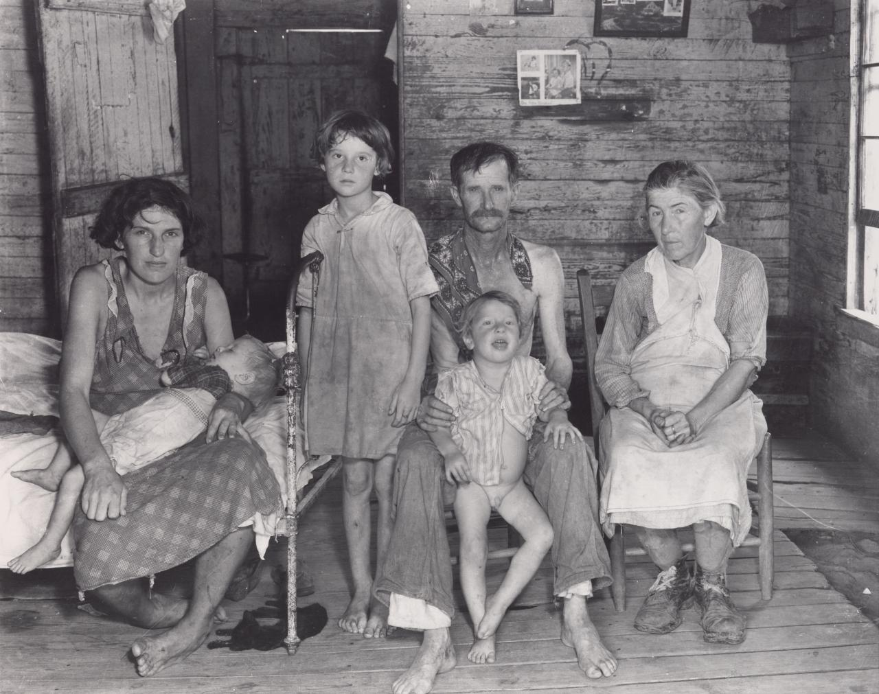 Bud Fields and his family, Hale County, Alabama