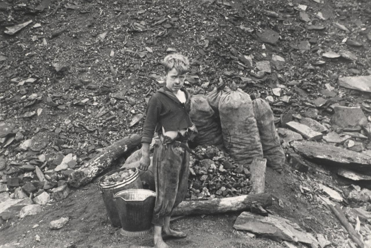 Young boy who salvages coal from the slag heaps, Nanty Glo