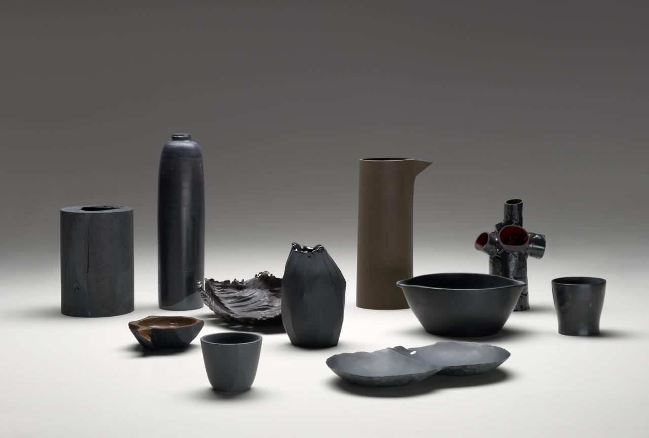 Almost black vessels I