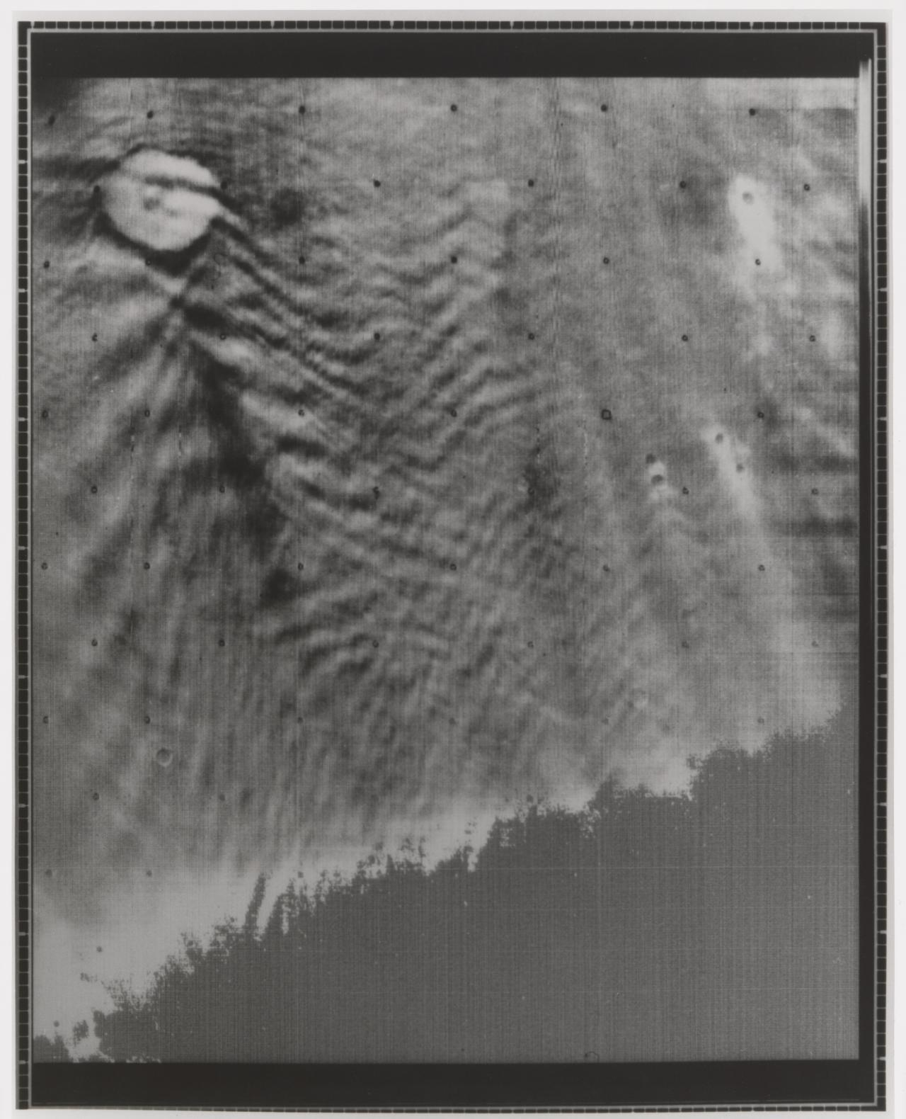 Mars. Marina 9, 14 February 1972, atmospheric disruption by prominent surface features