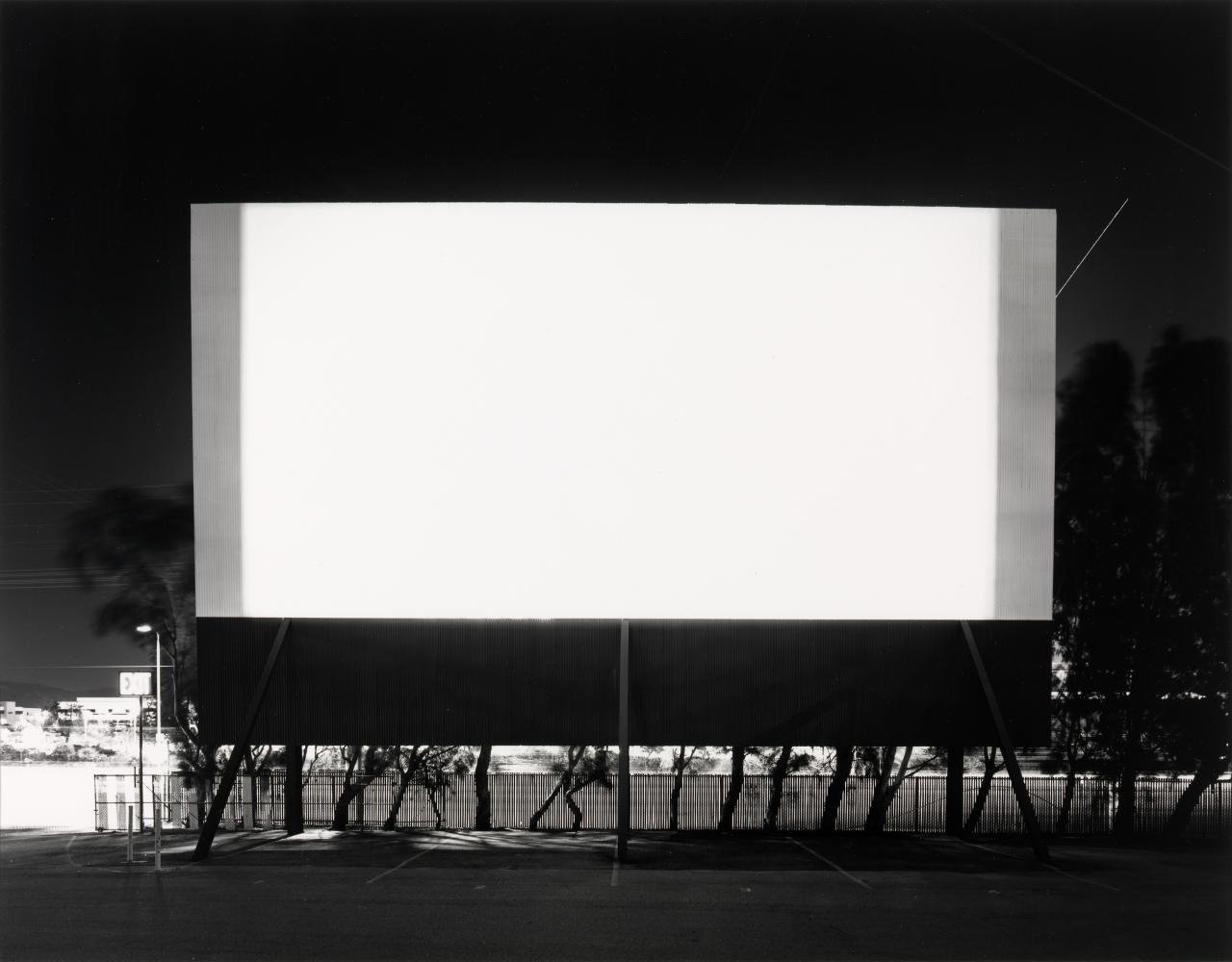 Winnetka Drive-In, Paramount