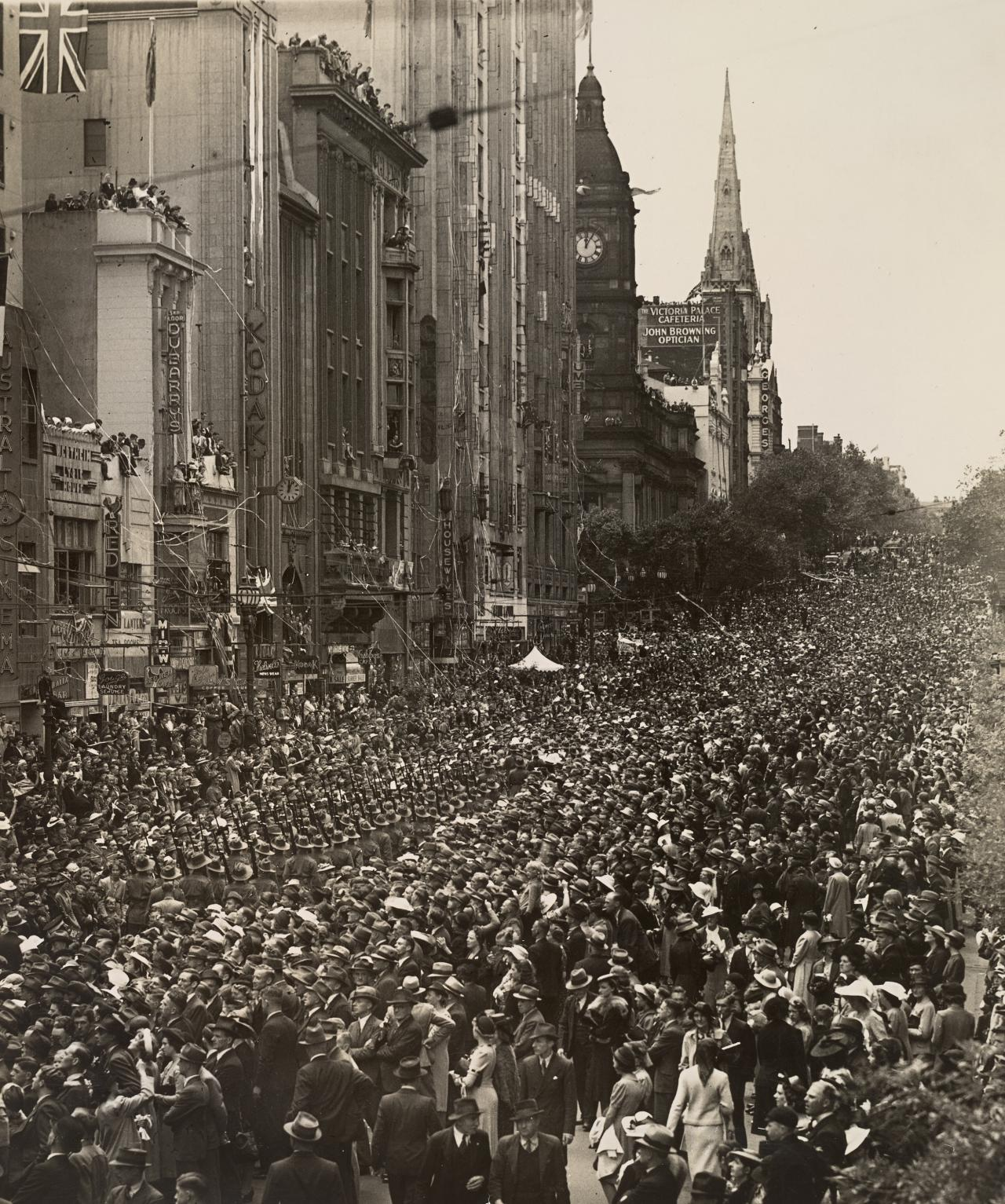 No title (Troops parading in Collins Street)